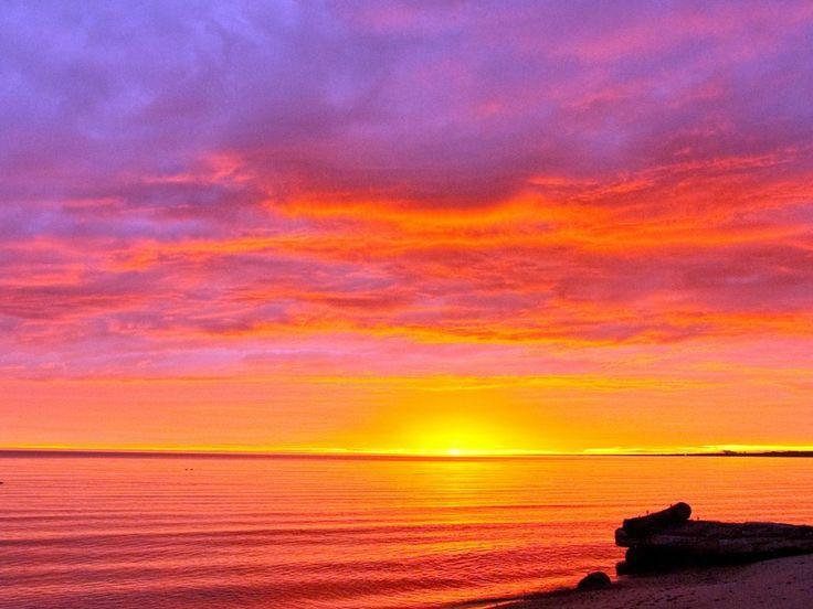 Sunset HD Image 2013   httpwwwwallpaperschestcomocean sunset hd 736x552