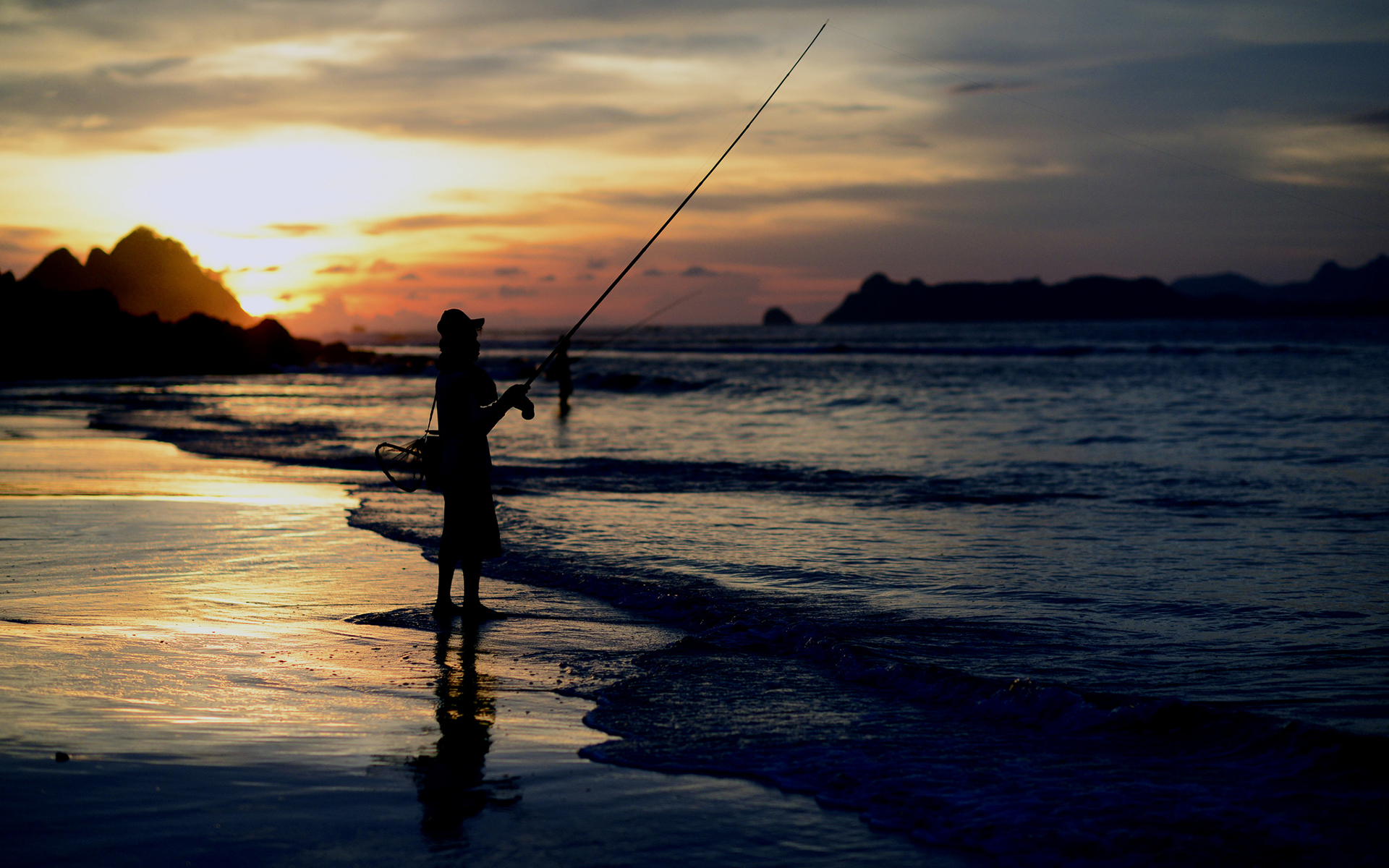 Beach Ocean Sunset people fishing sea waves wallpaper background 1920x1200