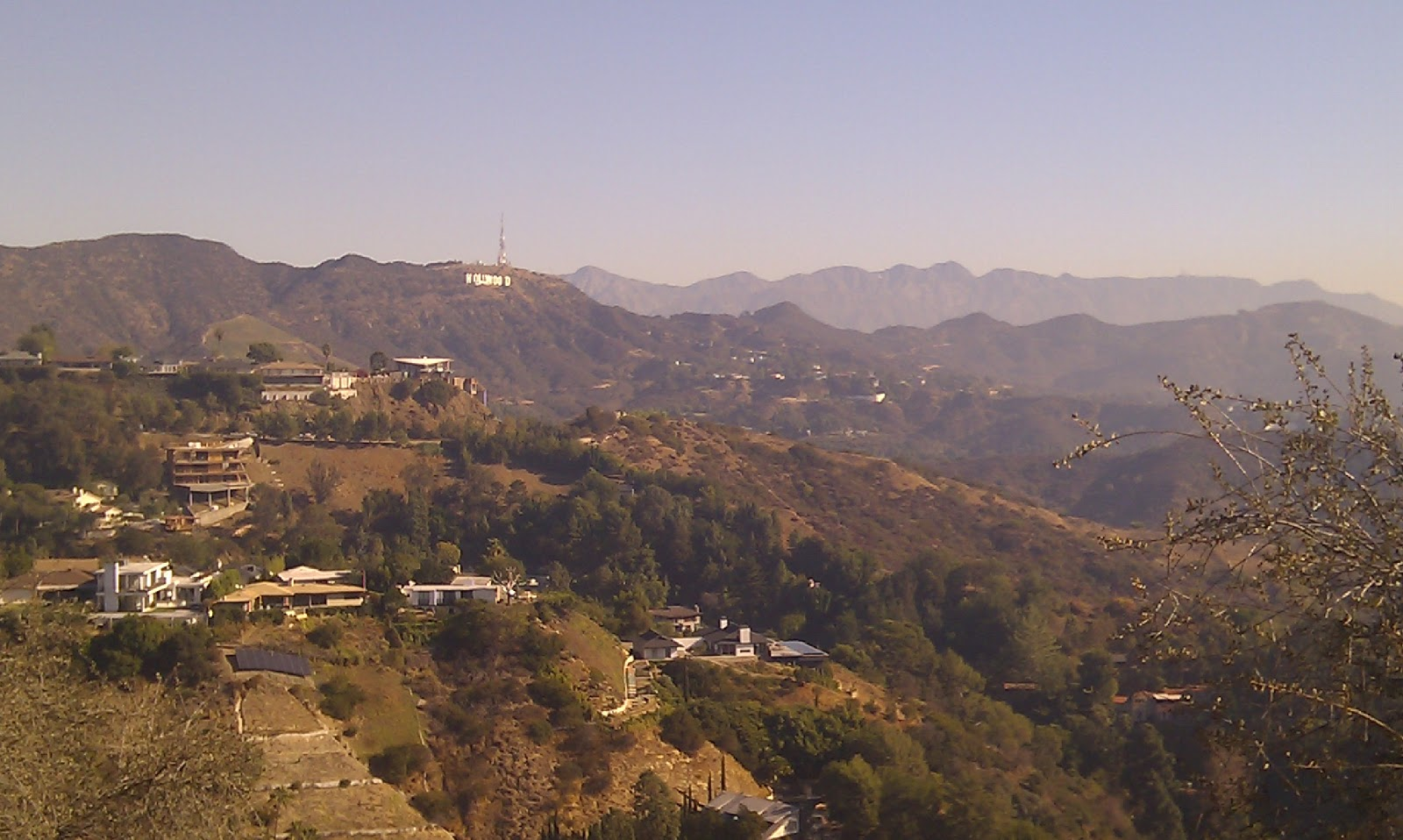 Hollywood Hills Wallpaper The hollywood hills the 1600x958