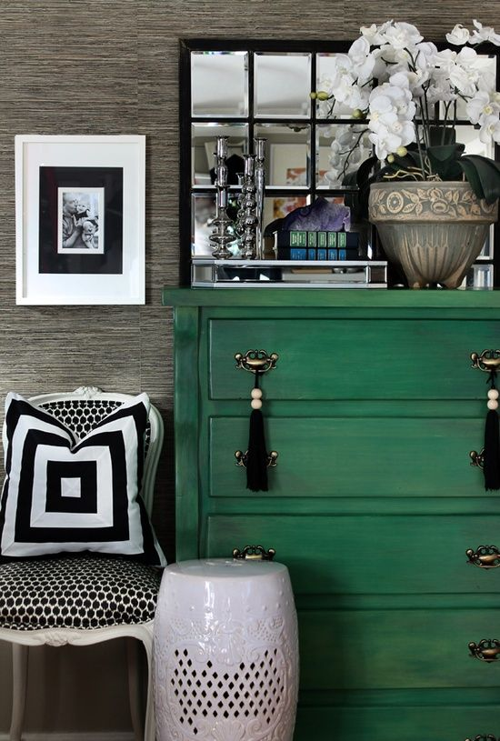 emerald green dresser grasscloth wallpaper and black Pantone 2013 550x815