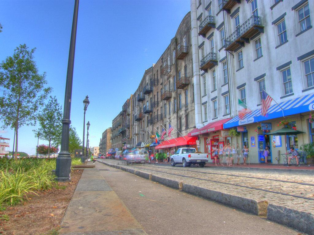 River Street Savannah GA HDRI by redtailhawker 1024x768