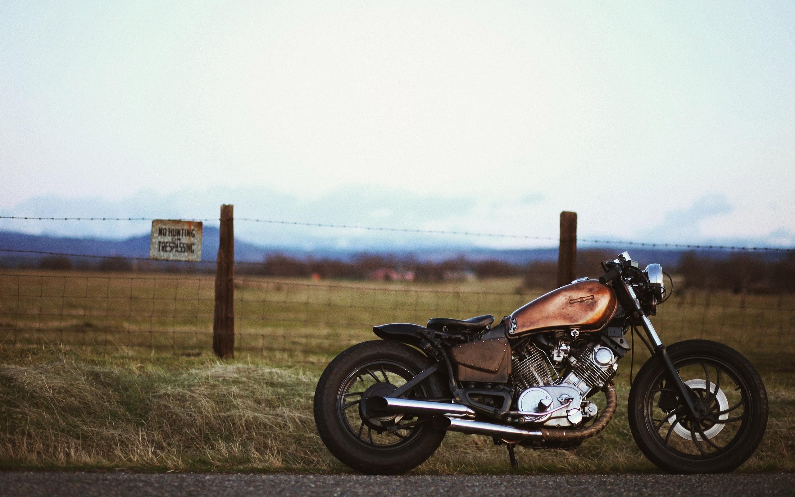750 bobber harley wallpaper background 2560x1600