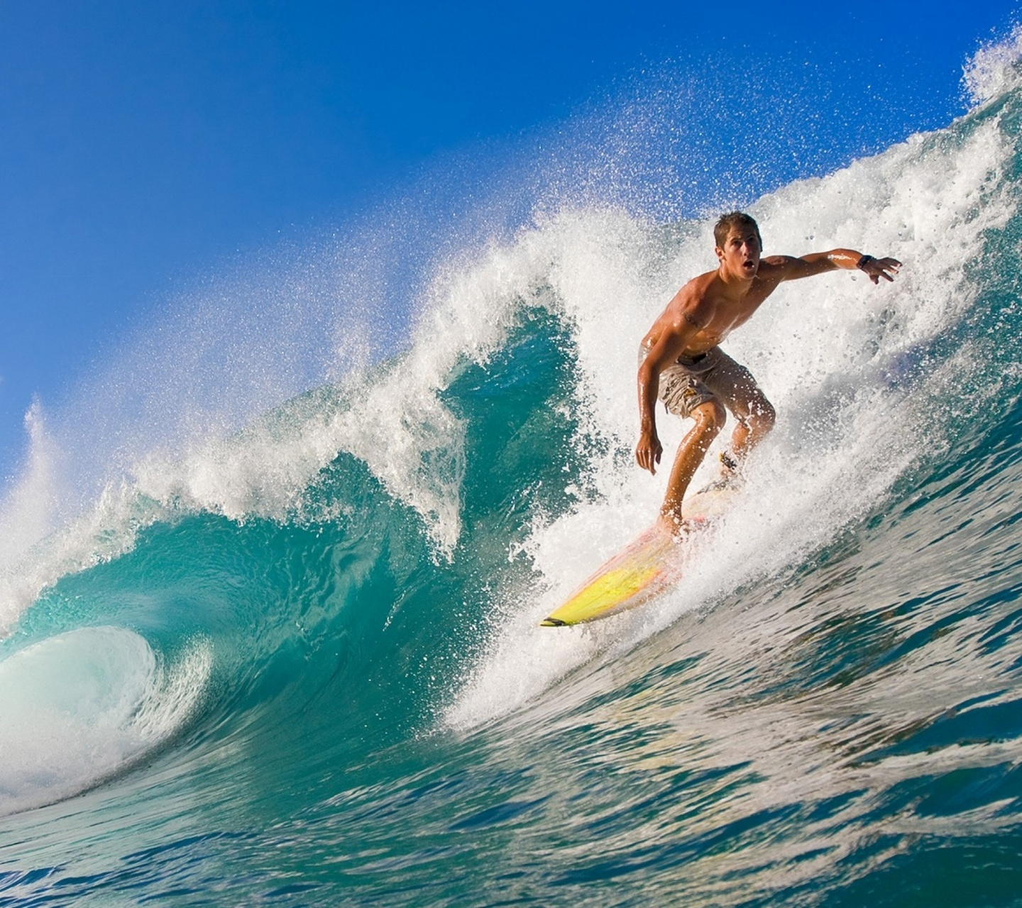 surfing 1440x1280 Screensaver wallpaper 1440x1280