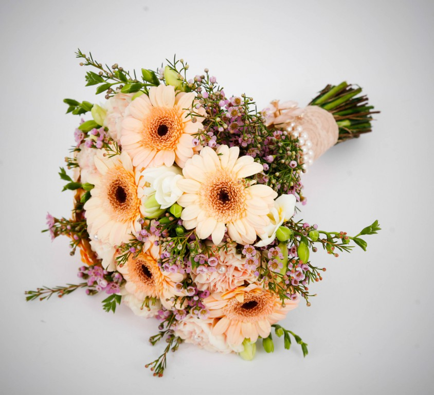 the image Beautiful Wedding Flower Bouquets Wallpapers Download 844x768