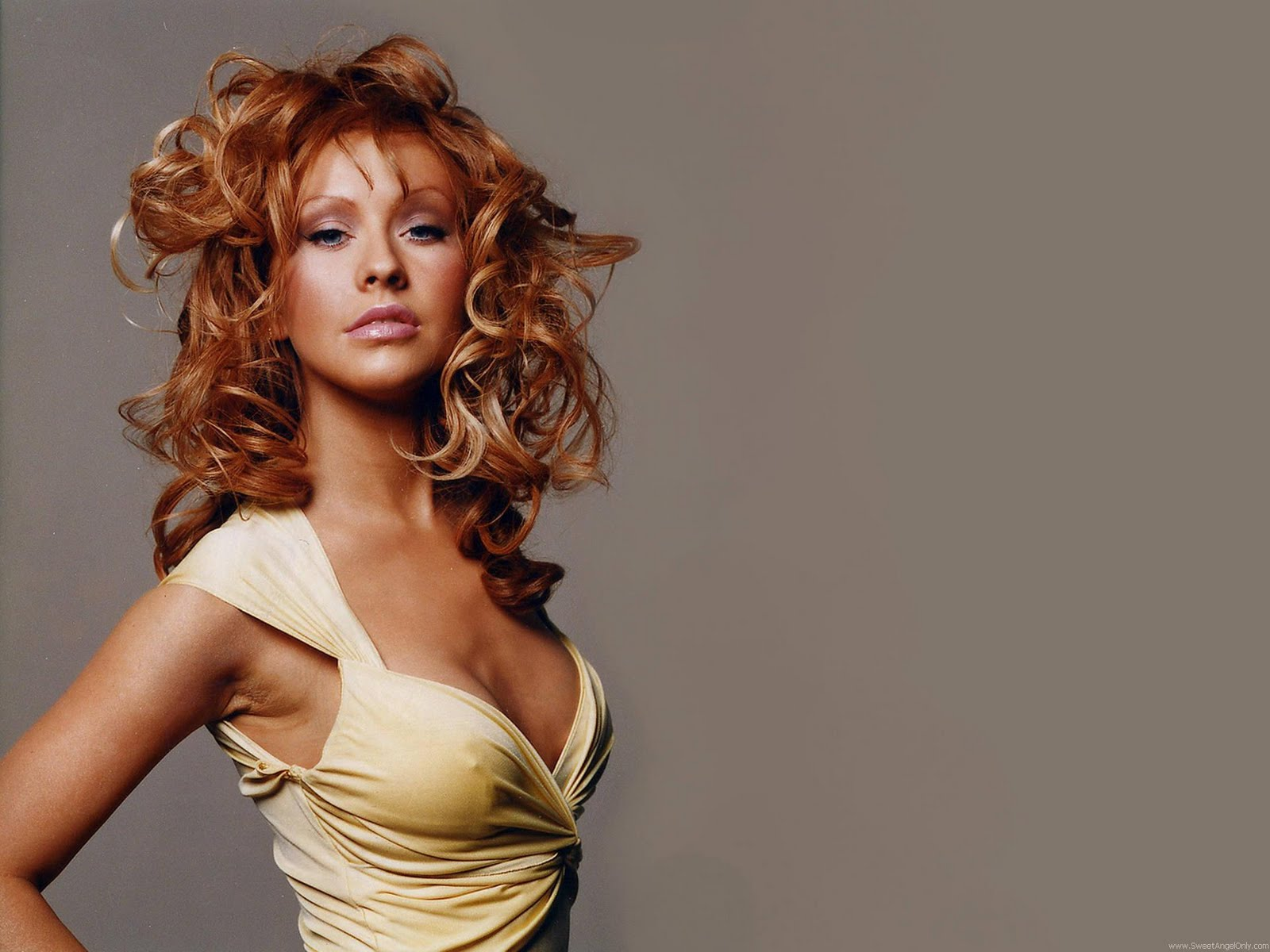 Christina Aguilera Click on the Image for Larger View 1600x1200