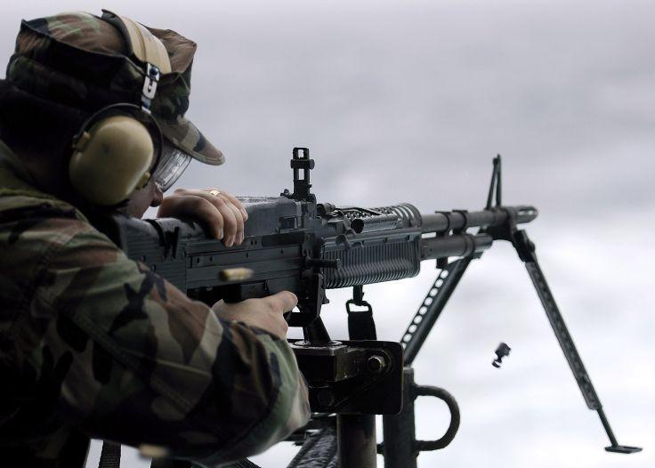 M60 MACHINE GUN military rifle weapon soldier g wallpaper background 736x526