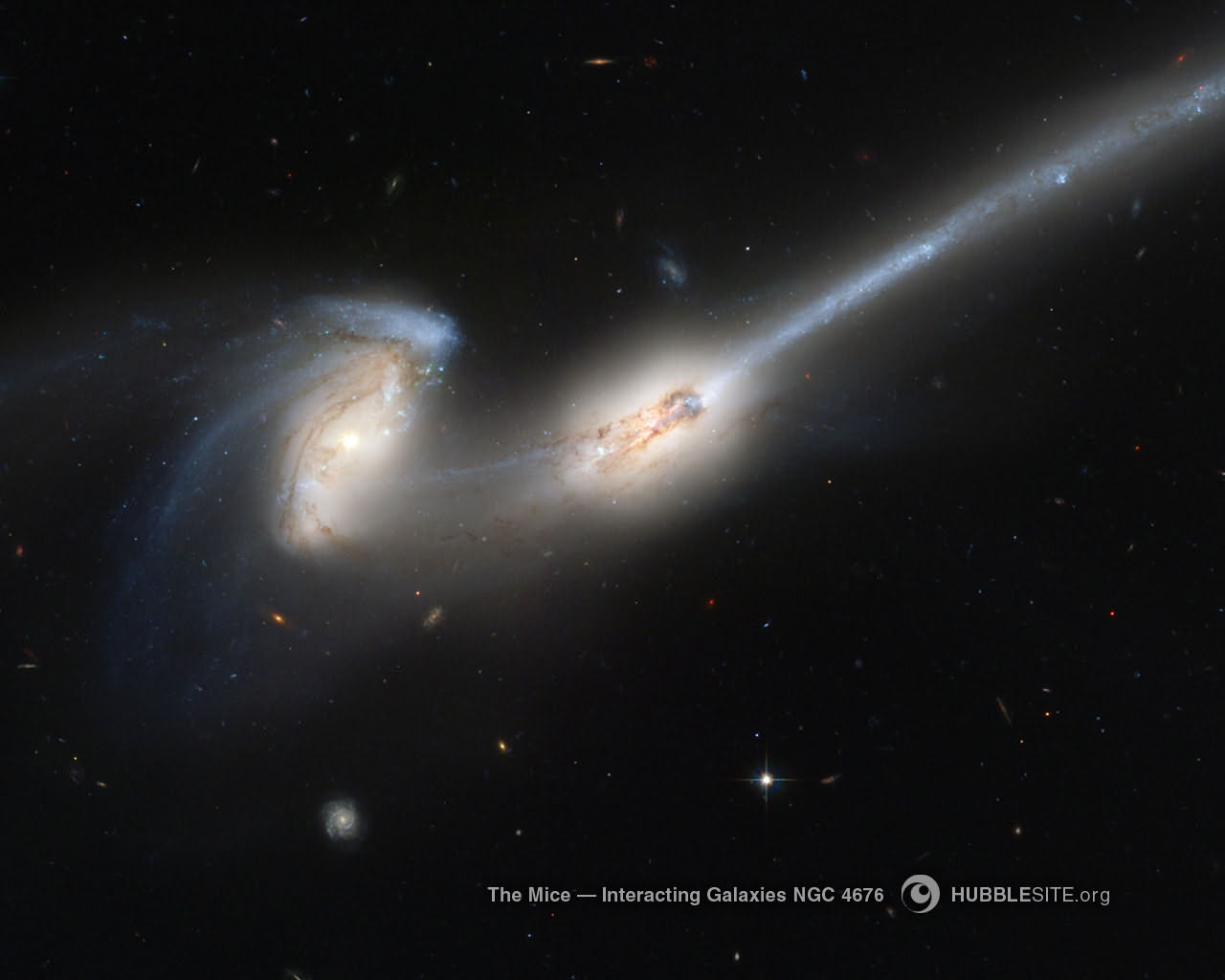 Desktop wallpaper for The Mice Interacting Galaxie HUBBLE 1280x1024