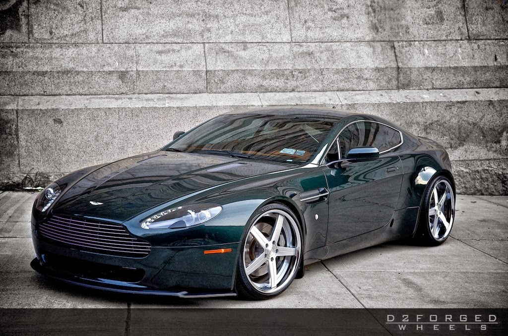 Front view HD Quality Aston Martin V8 Vantage Wallpaper 2 doors little 1024x678