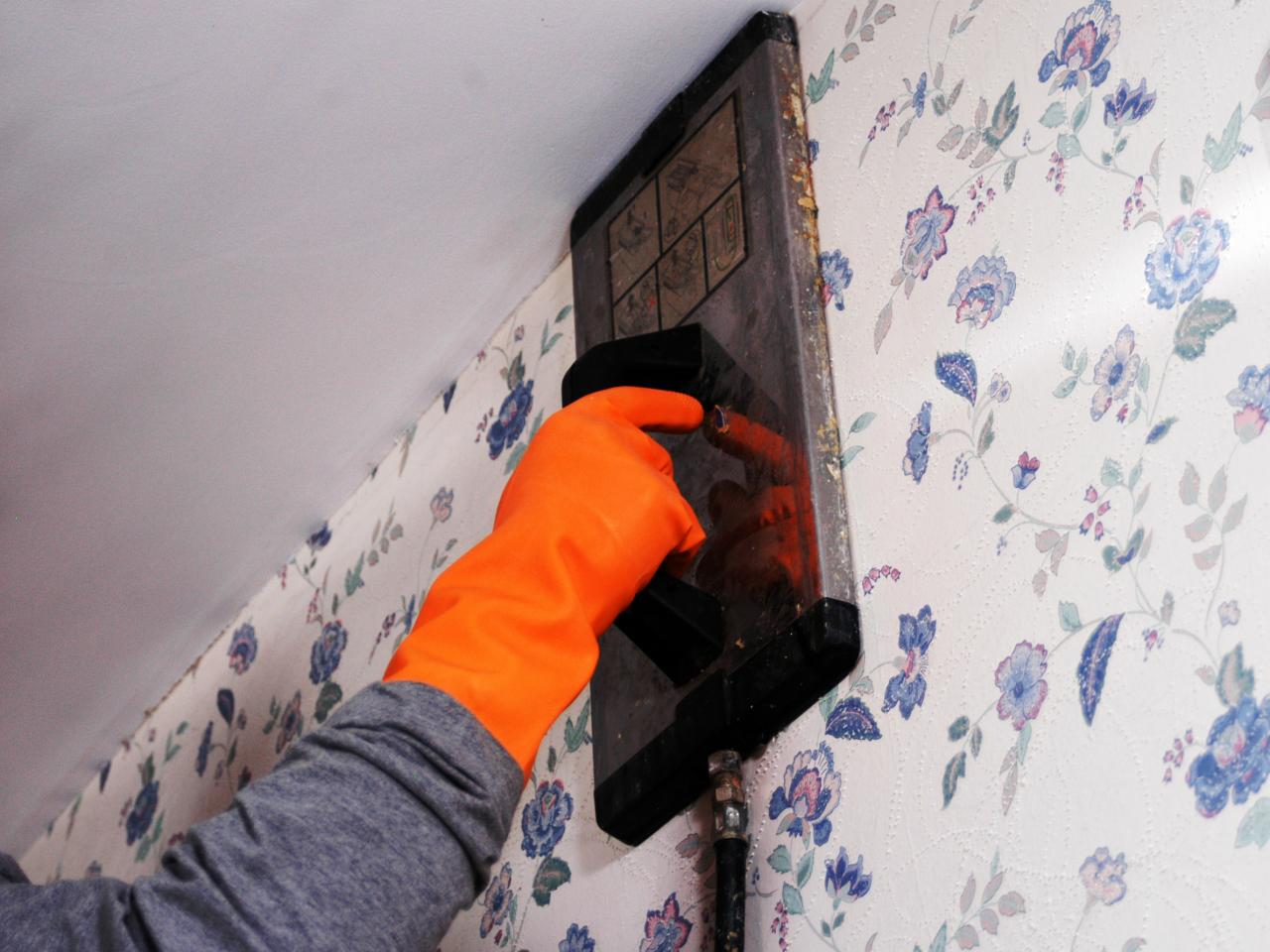 UHT Wallpaper Removal steaming wallpaper 02 s4x3jpgrendhgtvcom1280 1280x960
