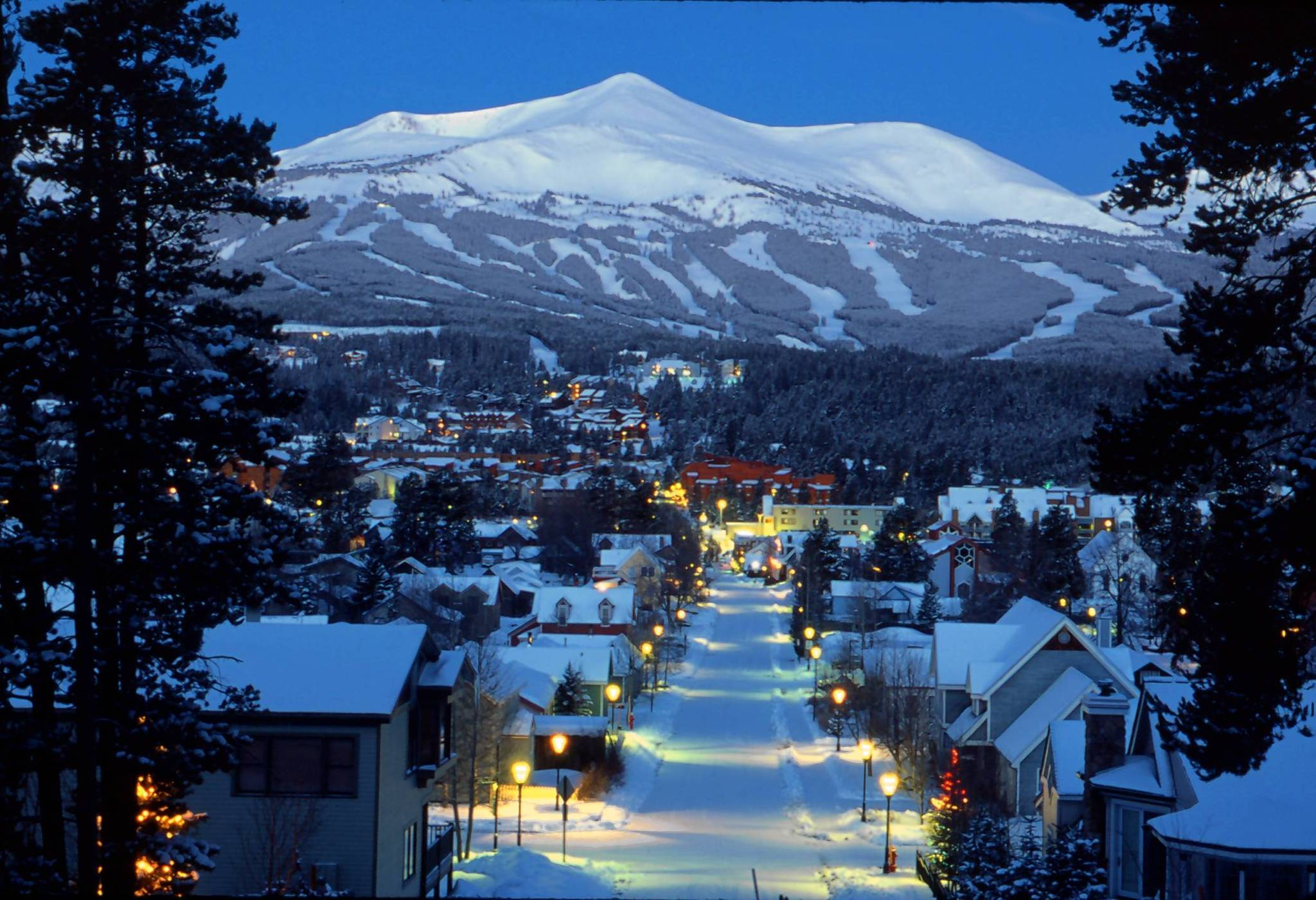 Downtown Breckenridge Colo is seen in this Dec 12 2002 CARL 2048x1401