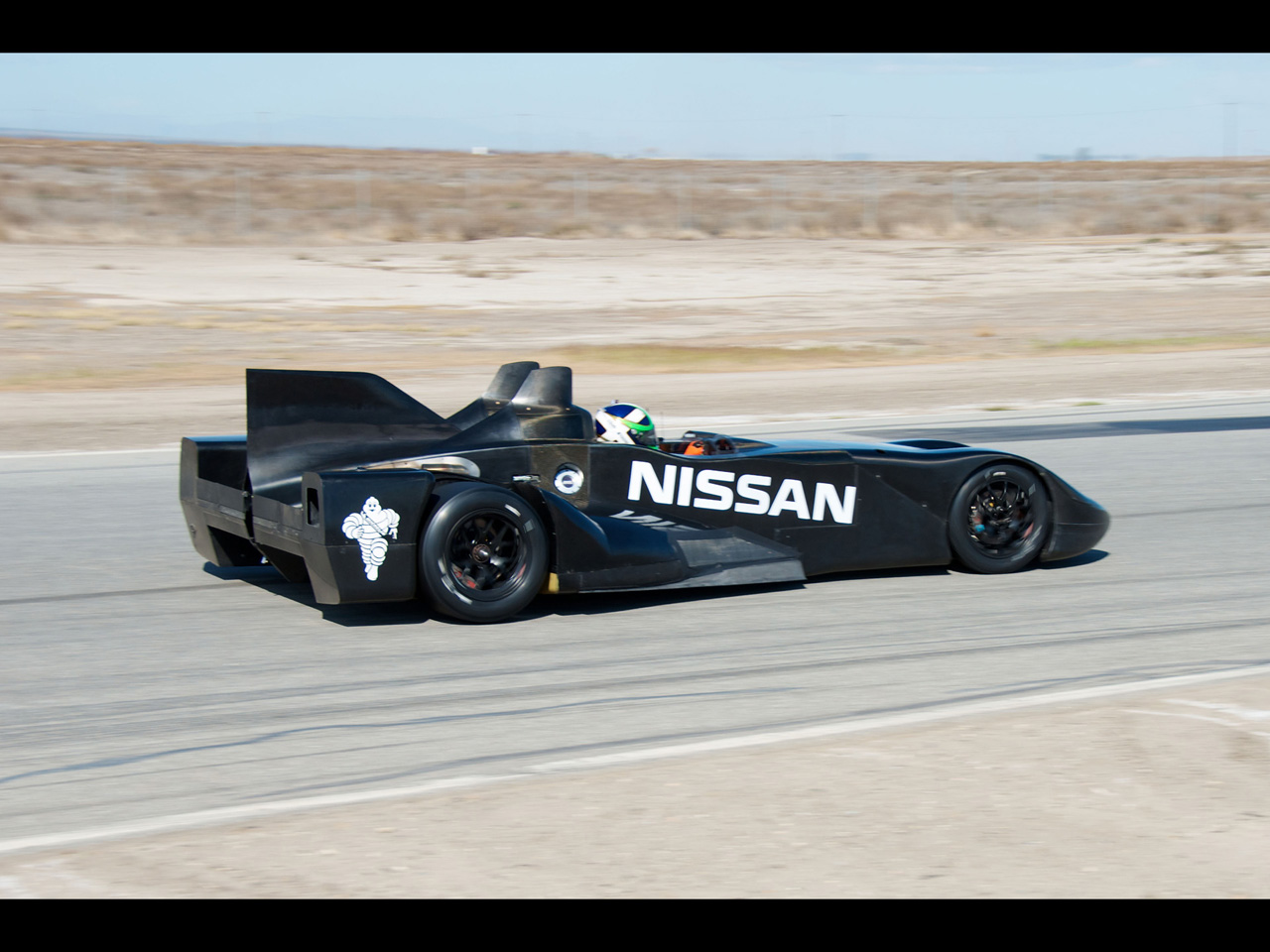 Nissan DeltaWing Le Mans Race Car   Moving 2   1280x960   Wallpaper 1280x960
