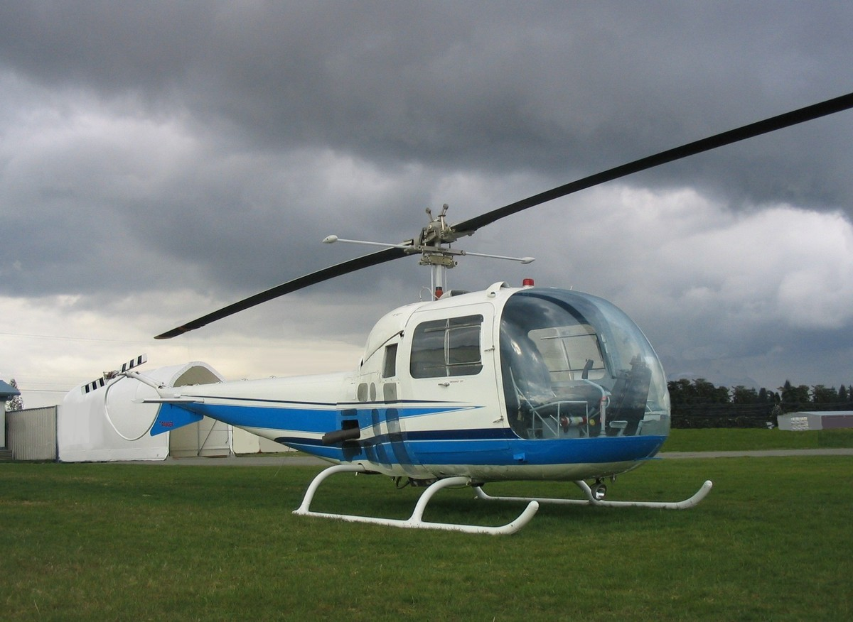 Bell47helicopter281129JPG 1200x876
