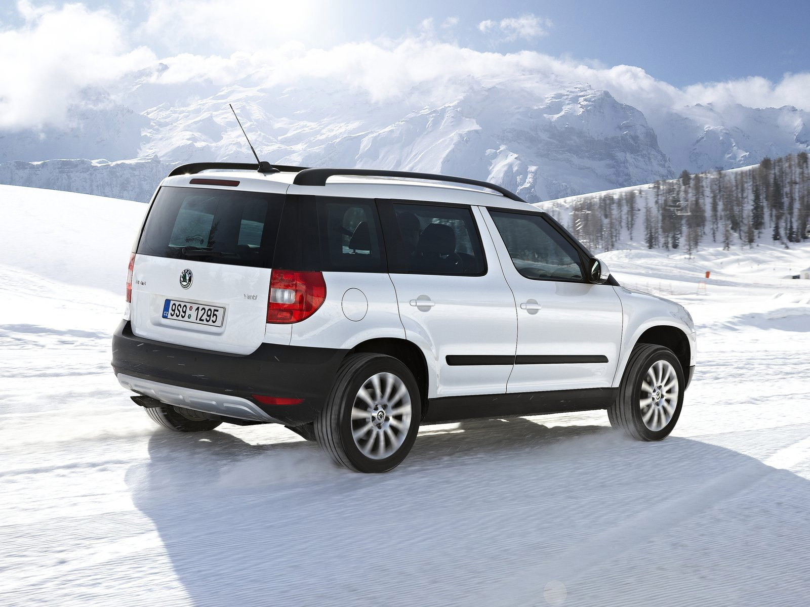 2011 SKODA Yeti 4x4 car wallpaper car review 1600x1200