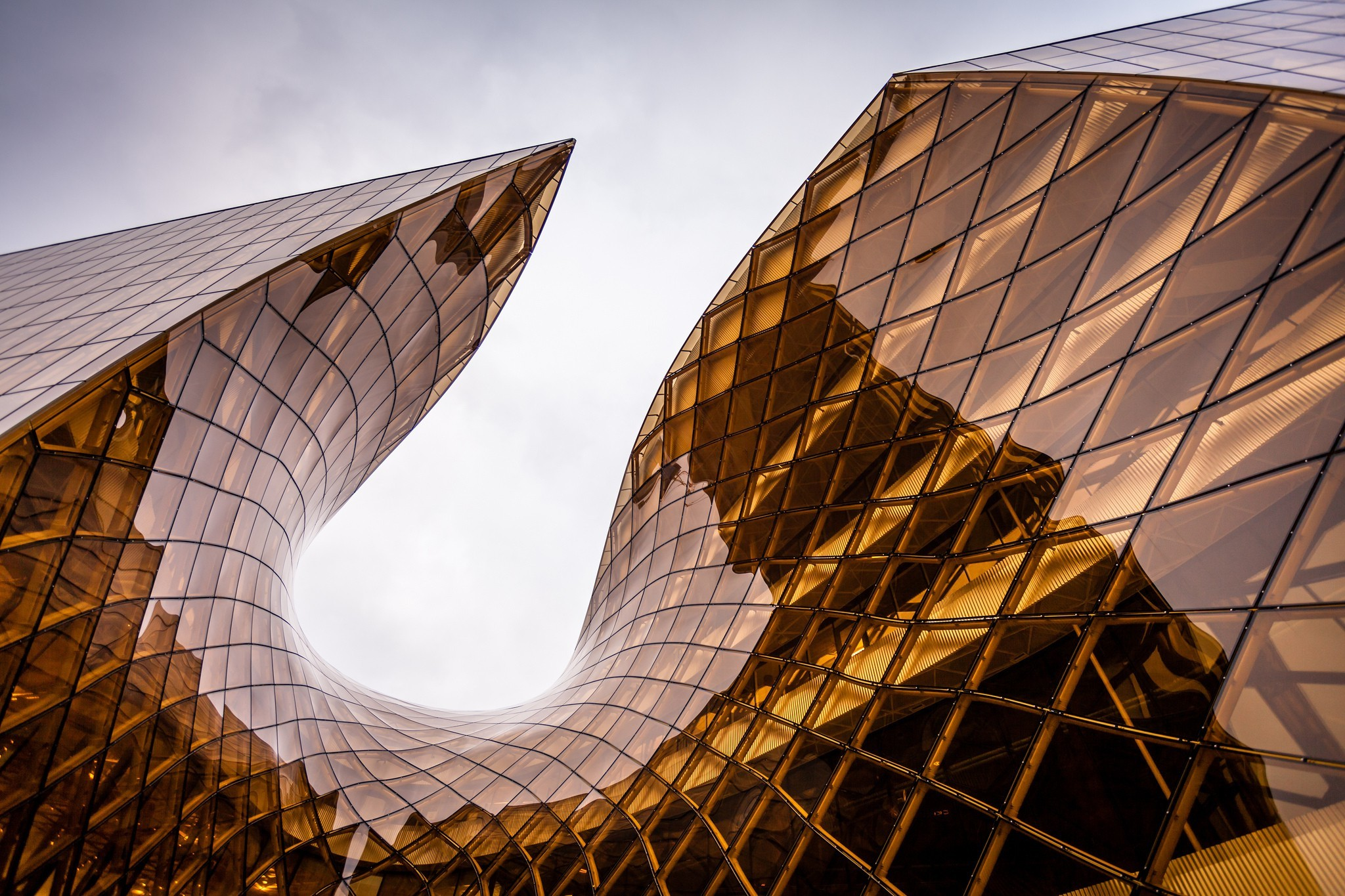 architecture Glass Reflection Sky Building Overcast Geometry 2048x1365