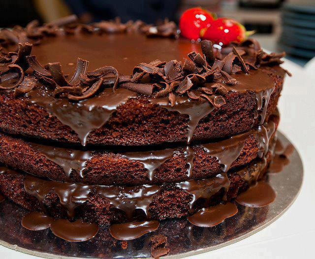 Download Chocolate Cake Wallpaper HD FREE Uploaded by   Anamika Sharma 640x526