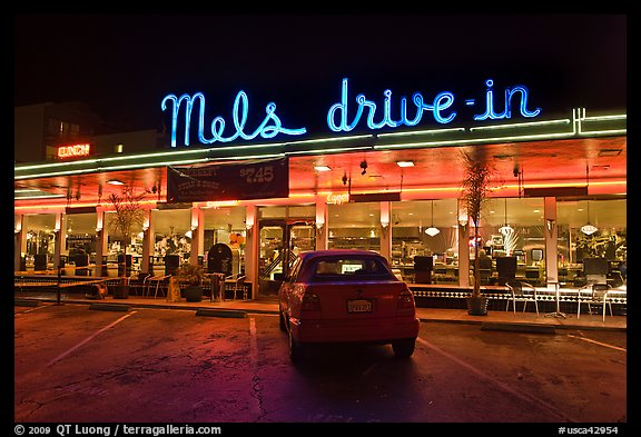 mels drivein california diner - 576×393