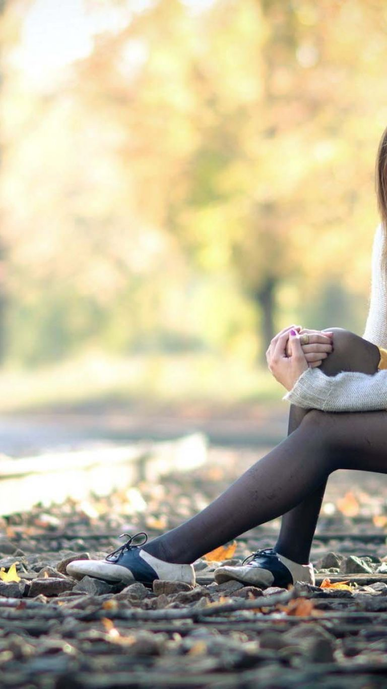 Lonely Girl Waiting On The Railroad HD   Models Wallpapers All 768x1366