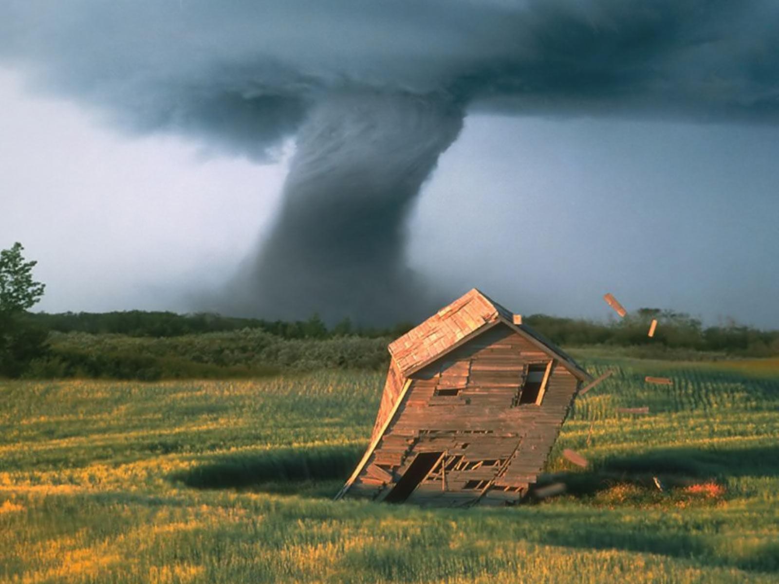 Tornado Wallpapers 1600x1200
