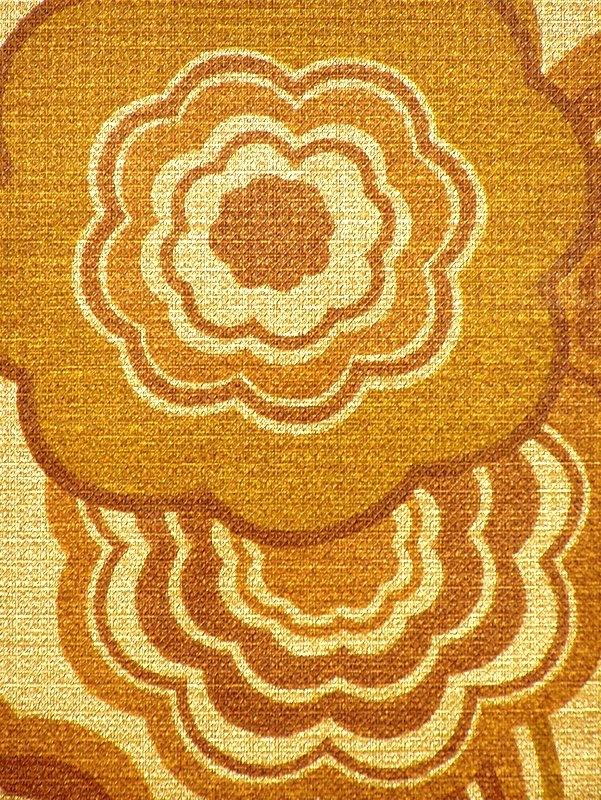 Stunning Gold Geometric Wallpaper 1970s by Crown 601x800