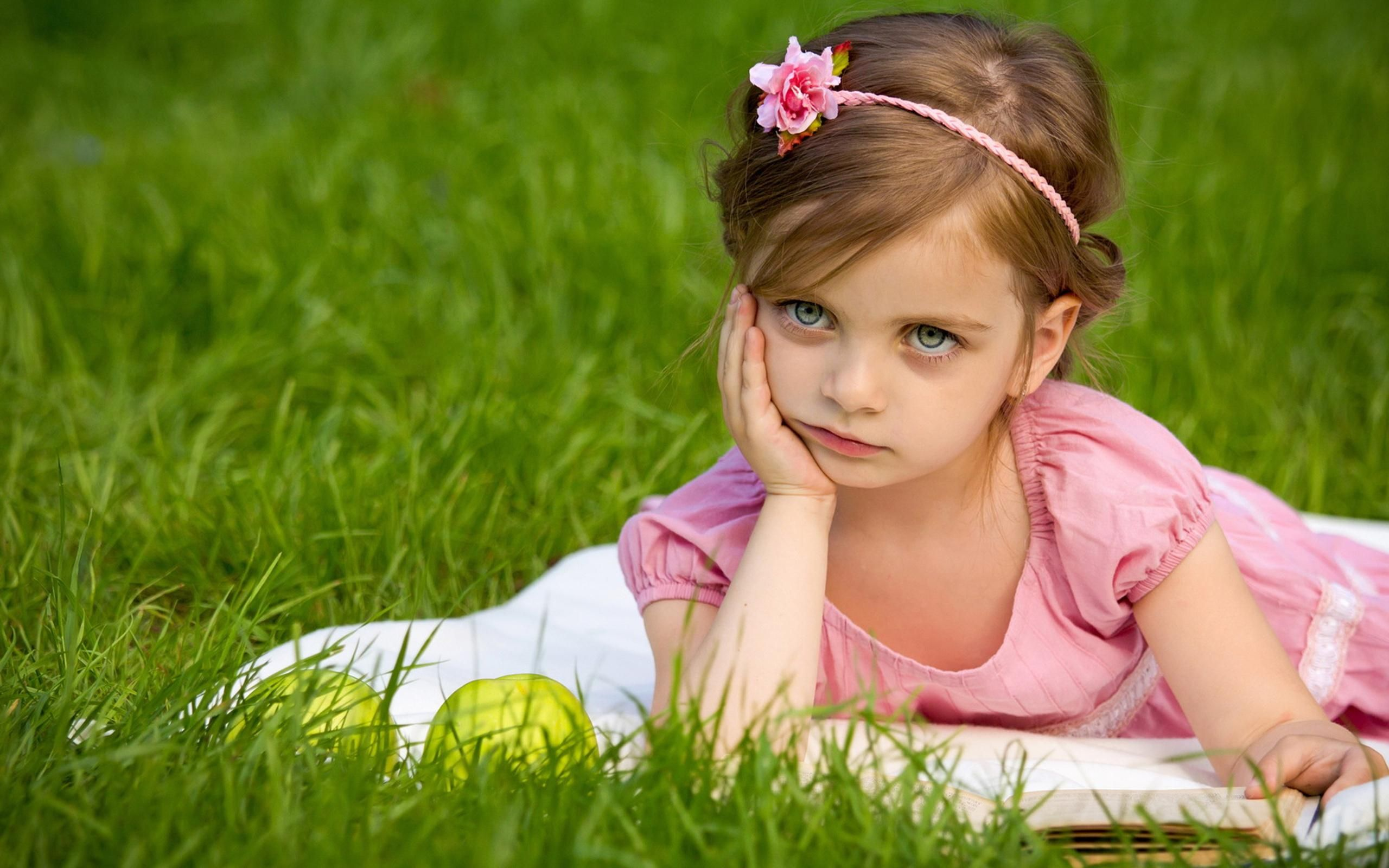 FunMozar Cute Baby Girl Wallpapers For Mobile 2560x1600