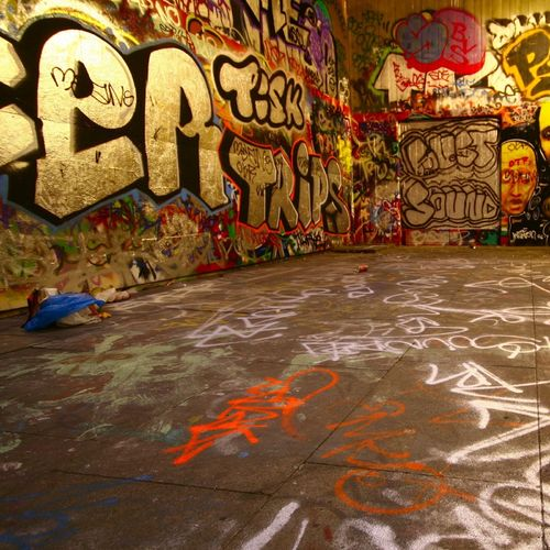 HD Graffiti Painted Room Wallpaper 500x500