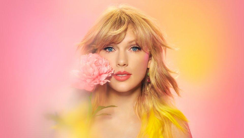 Taylor Swift beautiful singer Apple Music 2020 wallpaper 960x544