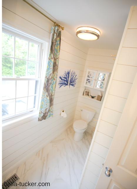 White Shiplap Bathroom 466x644