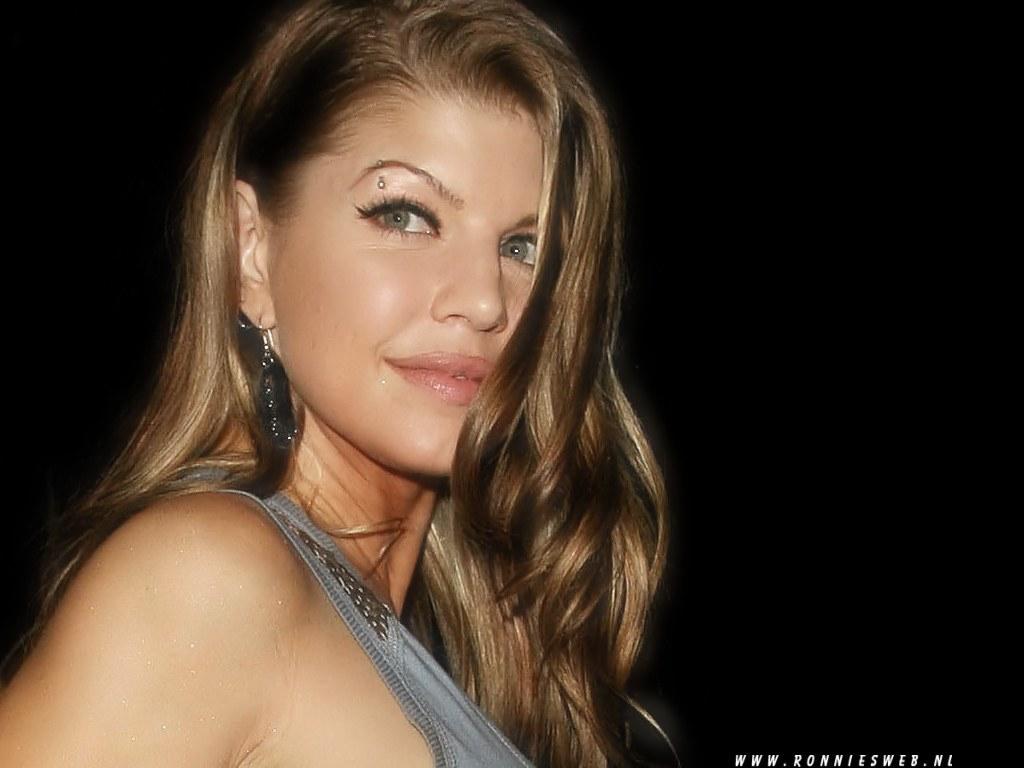 Fergie of Black Eyed Peas | Fergie Stacy Ann Ferguson Black Eyed ...