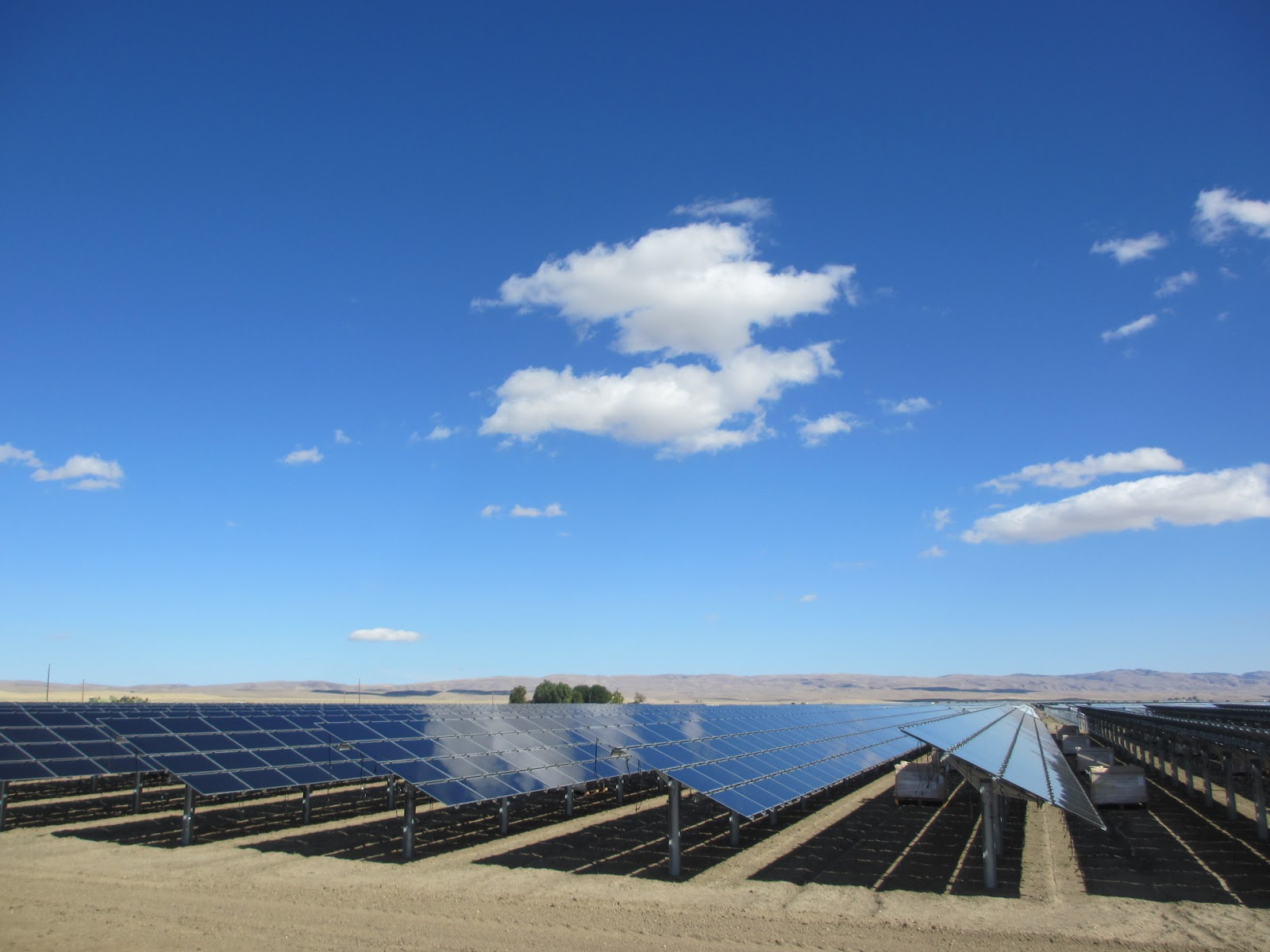 Solar panels Verry big wallpapers 1600x1200