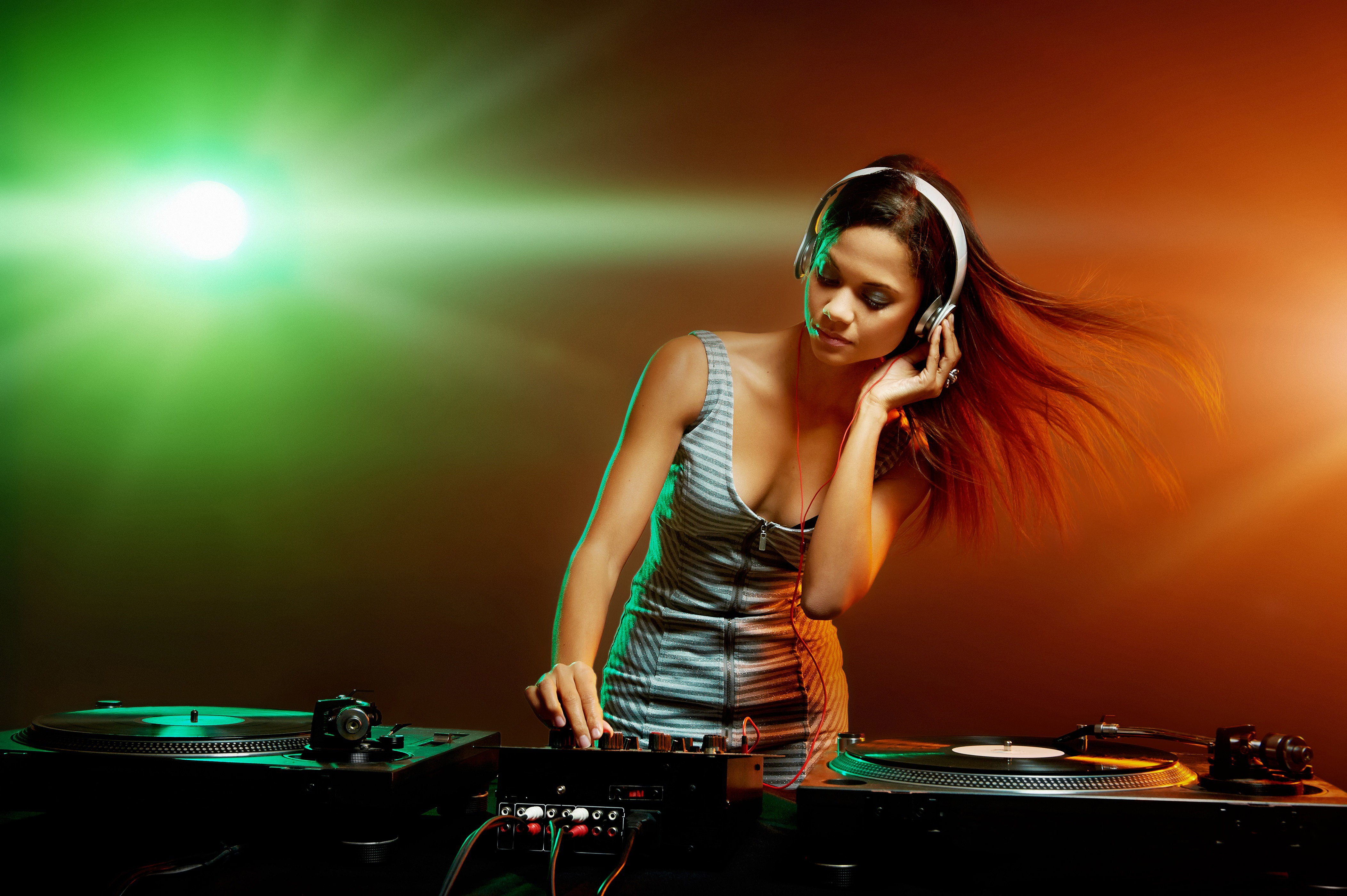 DJ Party Music Girl Wallpapers   New HD Wallpapers 4207x2799