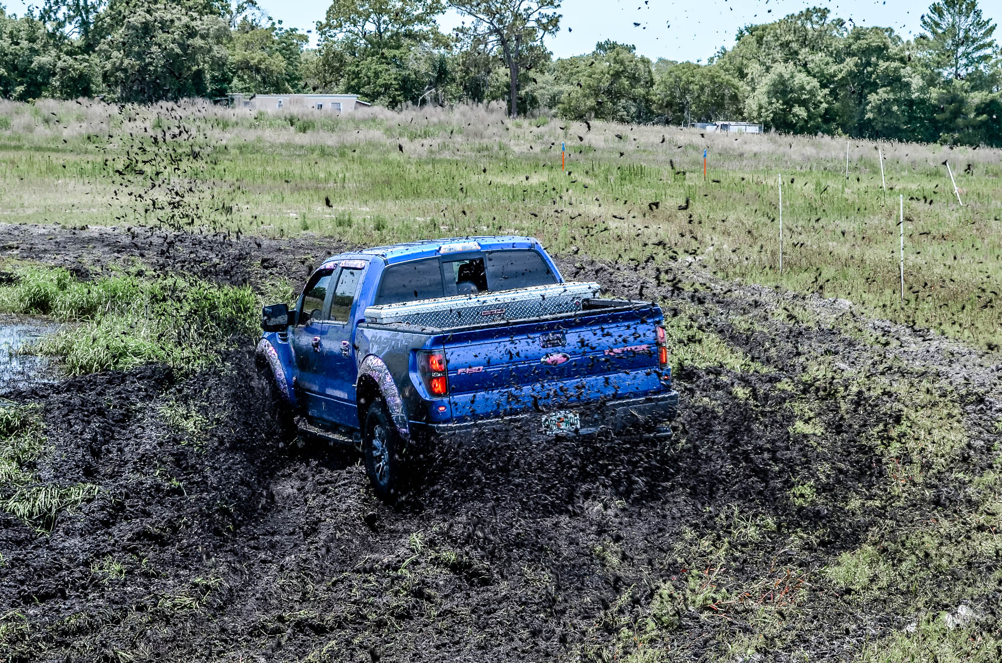 monster truck race racing pickup chevrolet g wallpaper background 2000x1325