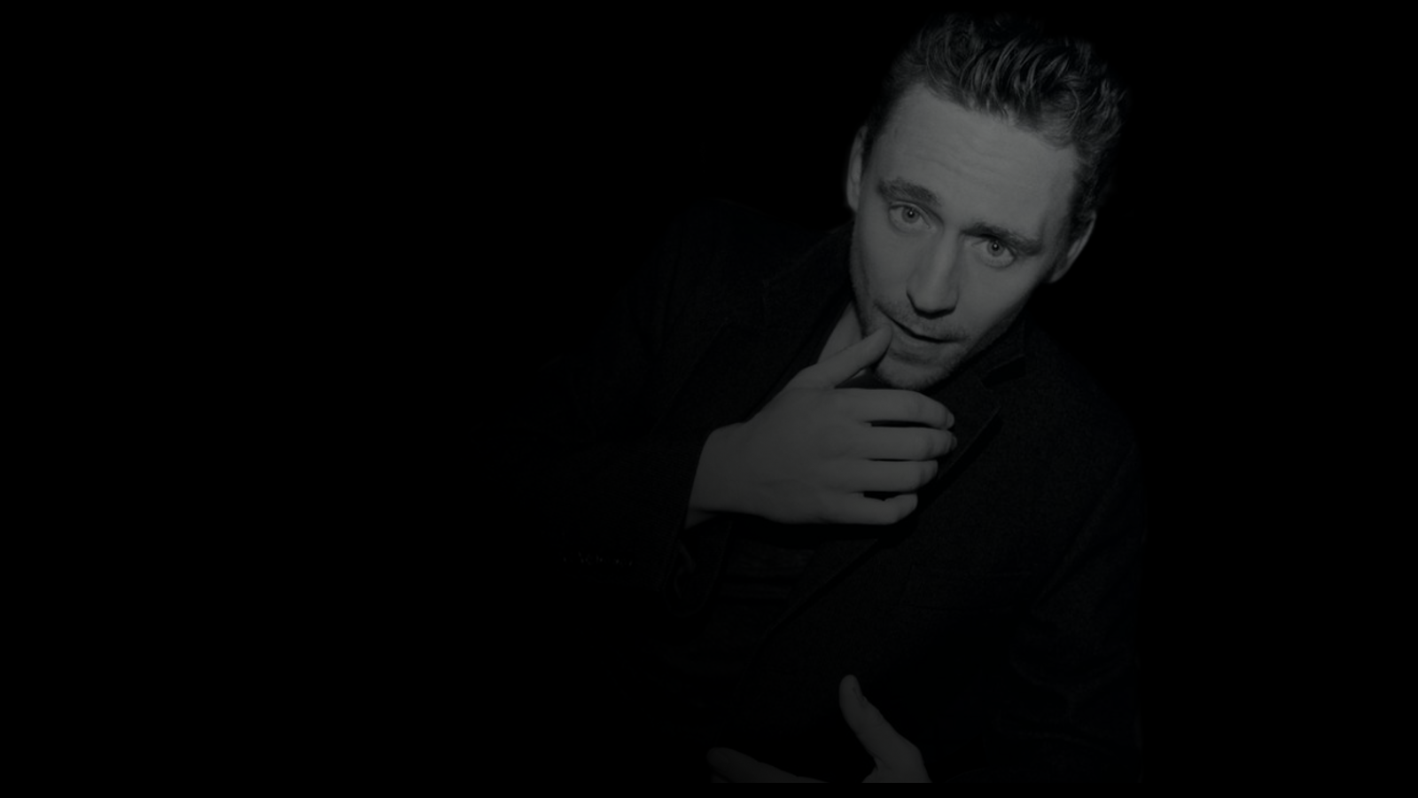 Tom Hiddleston Wallpaper by KristaMae on deviantART 1600x900