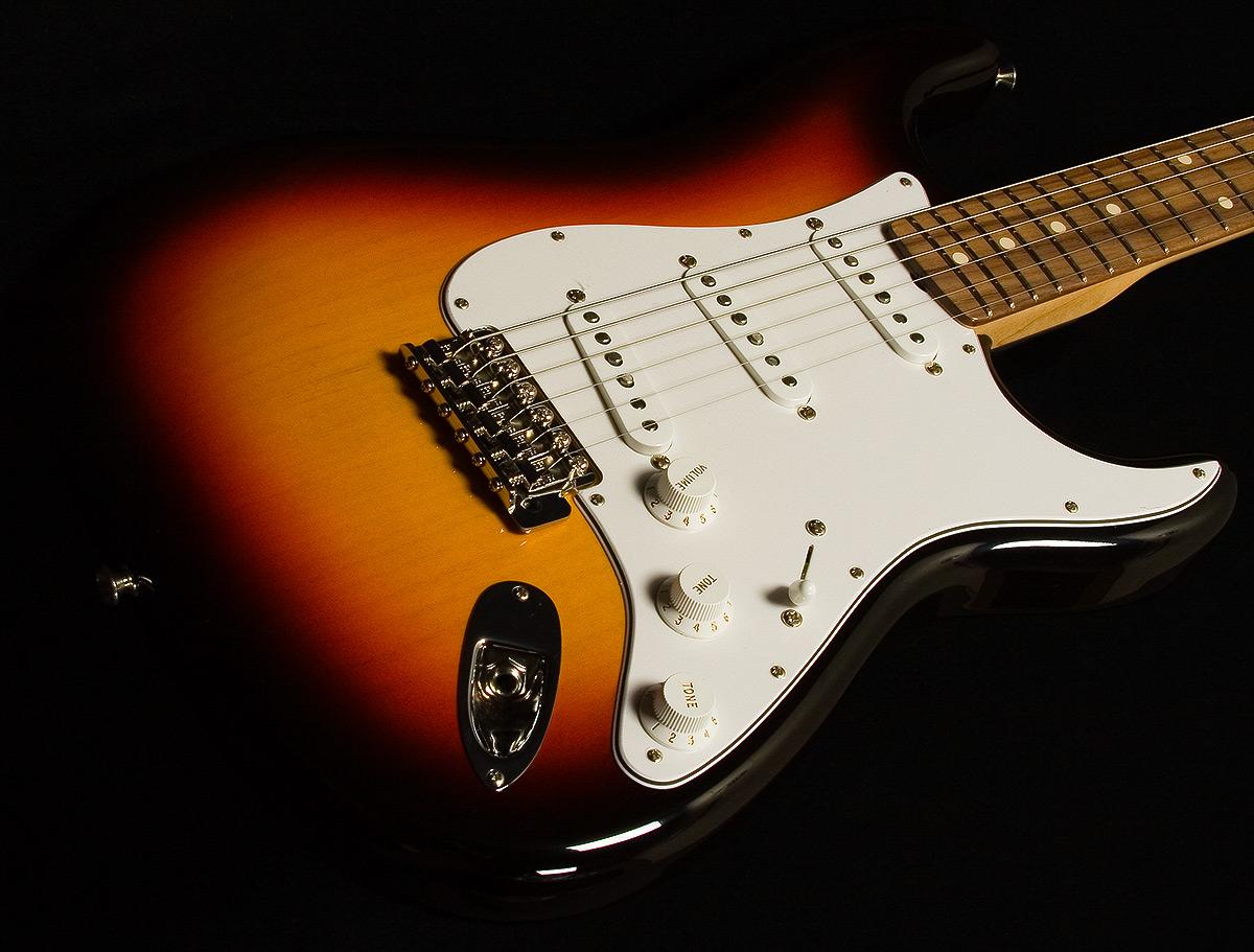 Fender Stratocaster Shop stratocaster 1200x911