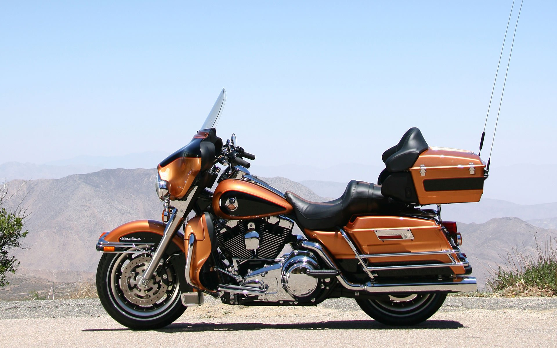 harley davidson road king wallpaper wallpapersafari. Black Bedroom Furniture Sets. Home Design Ideas