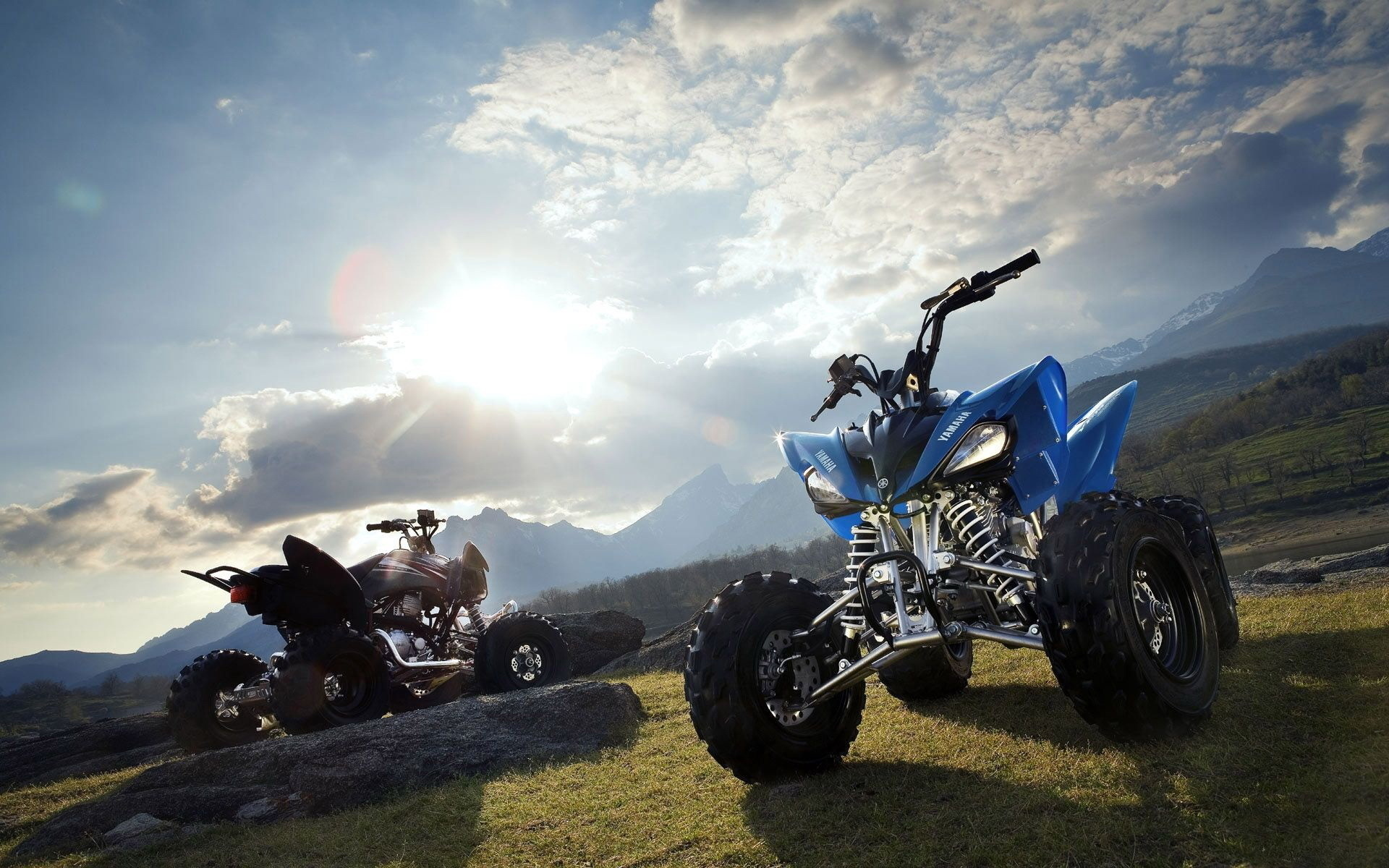 Download this Quad Bike Desktop Wallpaper in High Resolution 1920x1200
