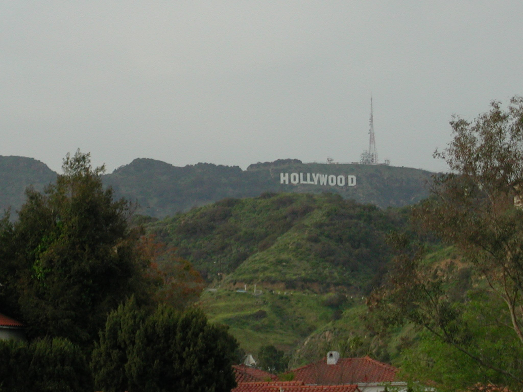 of the Hollywood Sign that didnt really fit in with the Hollywood 2048x1536