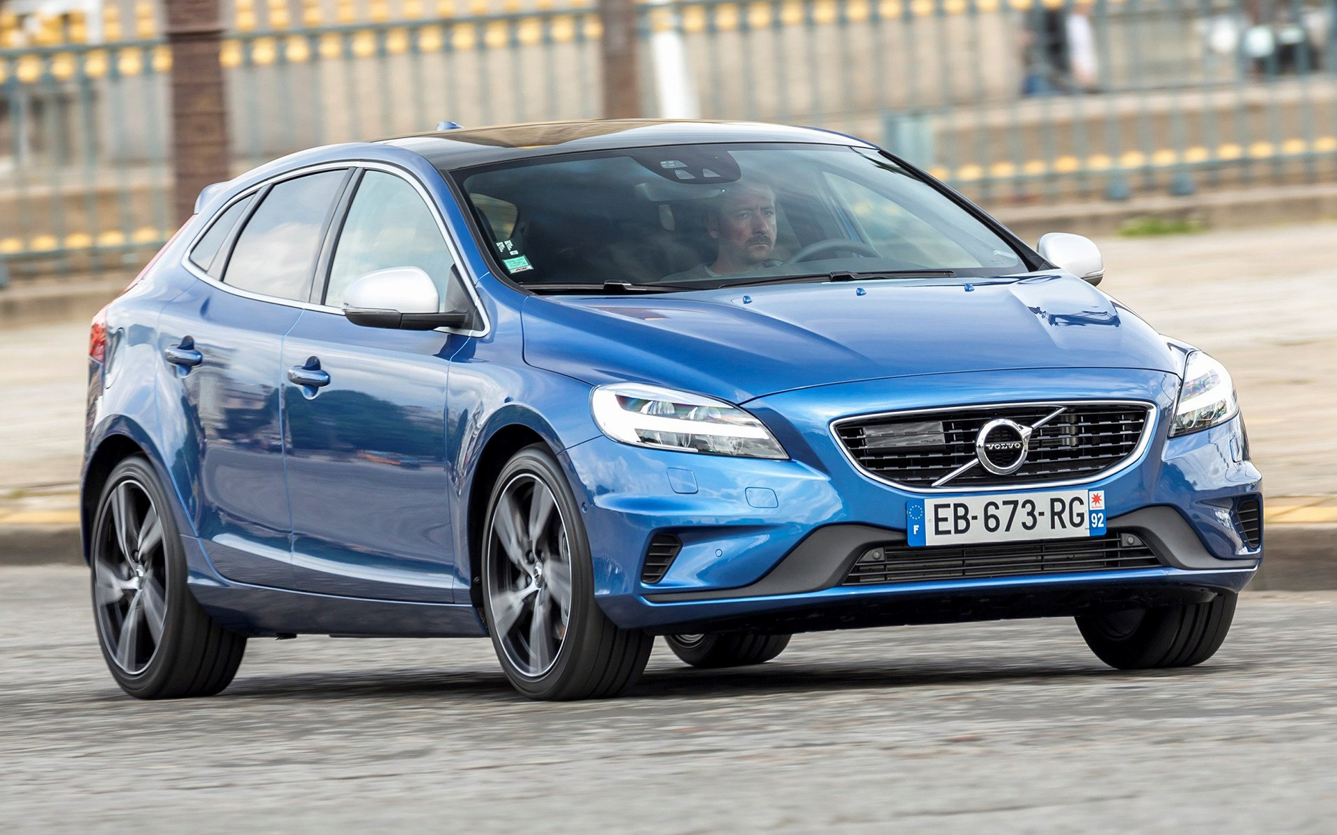 2016 Volvo V40 R Design   Wallpapers and HD Images Car Pixel 1920x1200