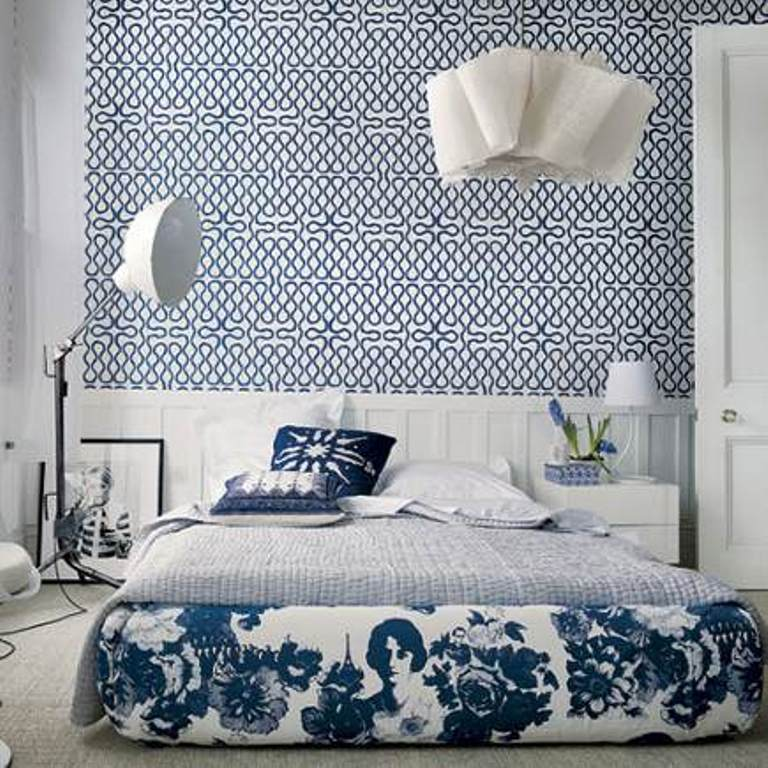 15 Captivating Bedrooms with Geometric Wallpaper Ideas Rilane   We 768x768
