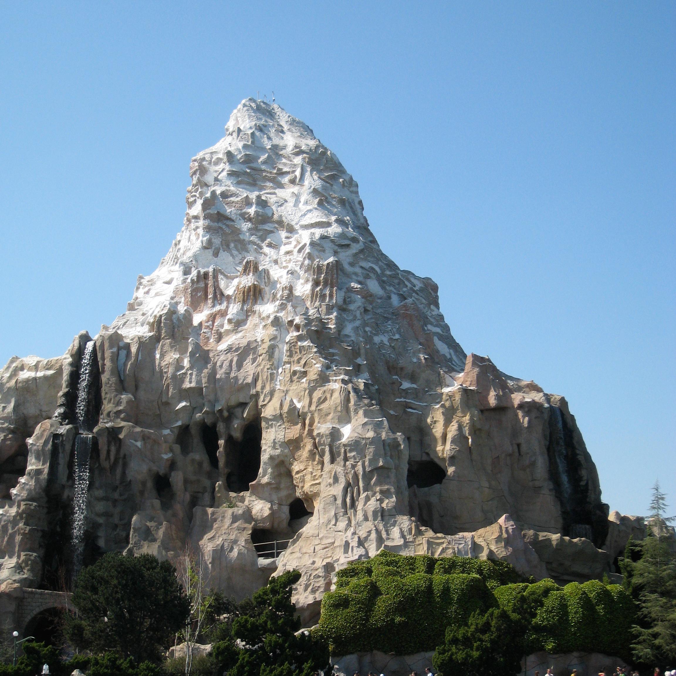 Disneyland Matterhorn Wallpaper Wallpapersafari
