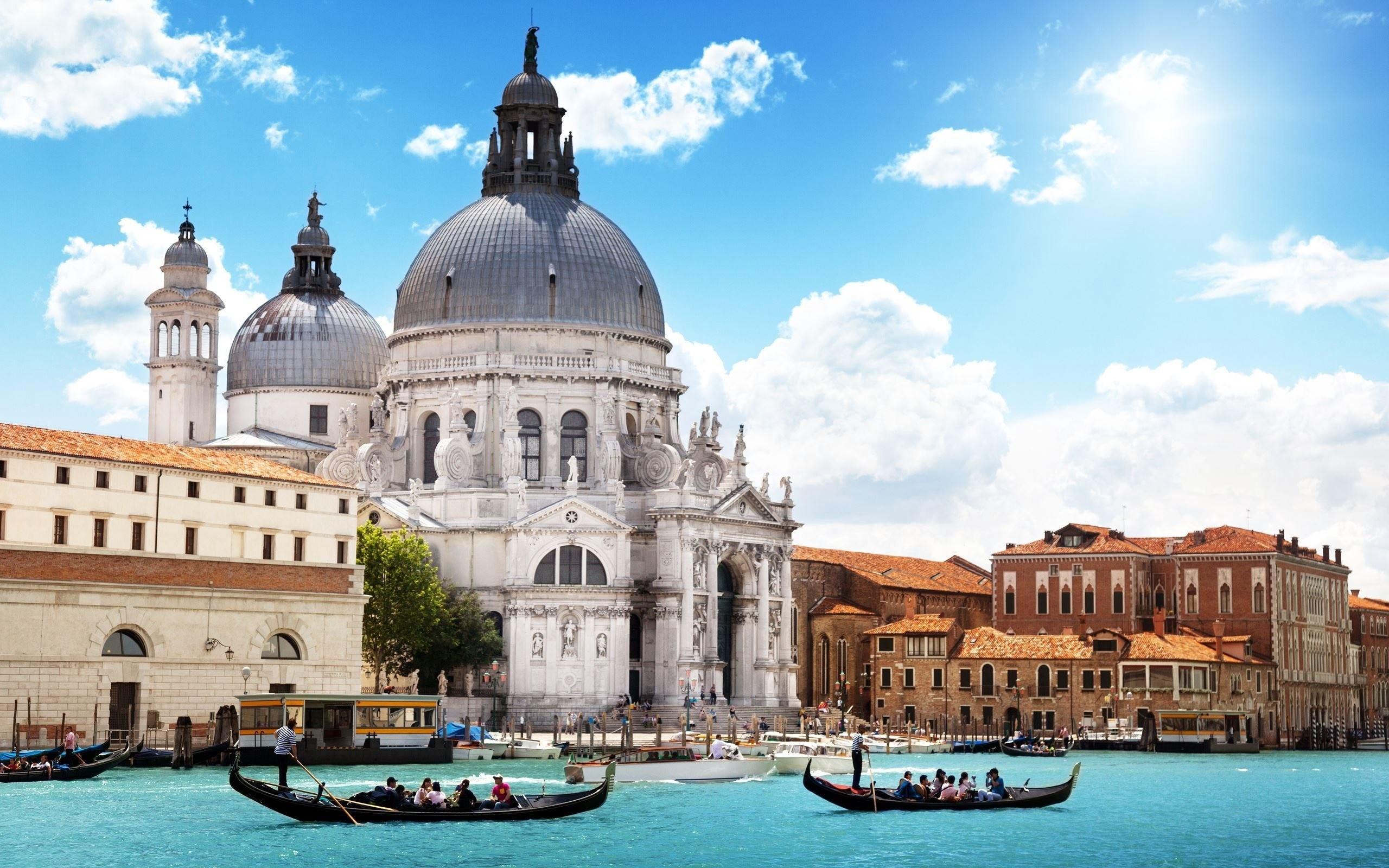 Venice Buildings River Gondola People   Stock Photos Images 2560x1600