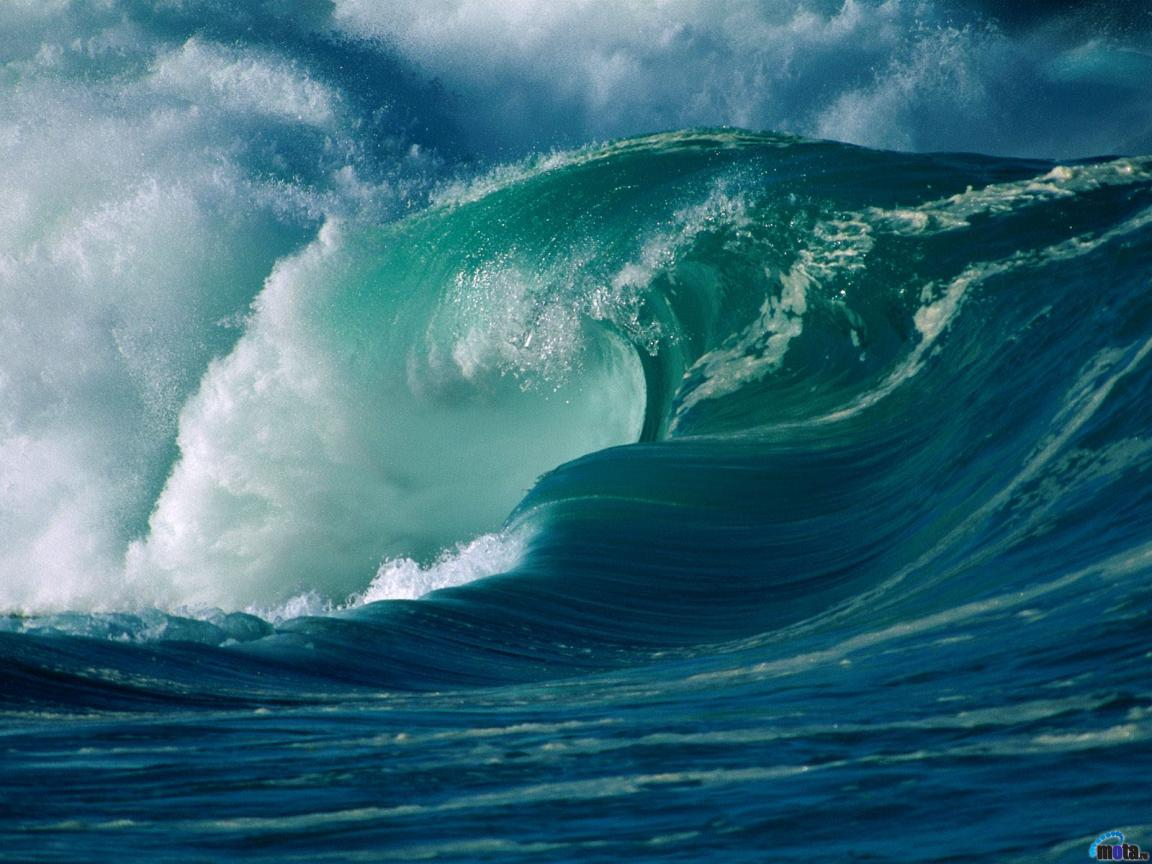 Download Wallpaper Roaring waves Winter Surf Oahu Hawaii 1152 x 1152x864