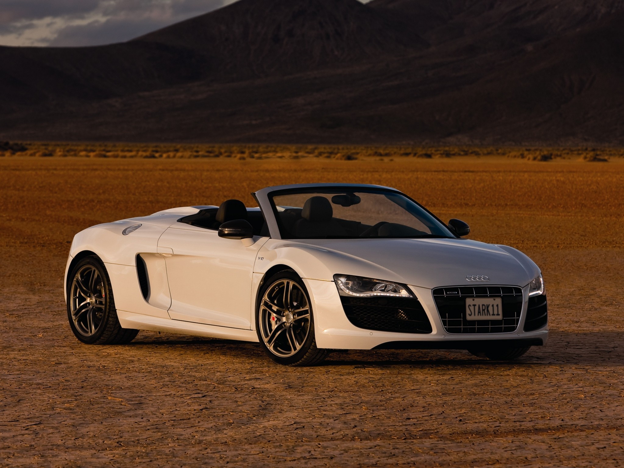 Audi R8 V10 Spyder US spec Wallpapers Cool Cars Wallpaper 2048x1536