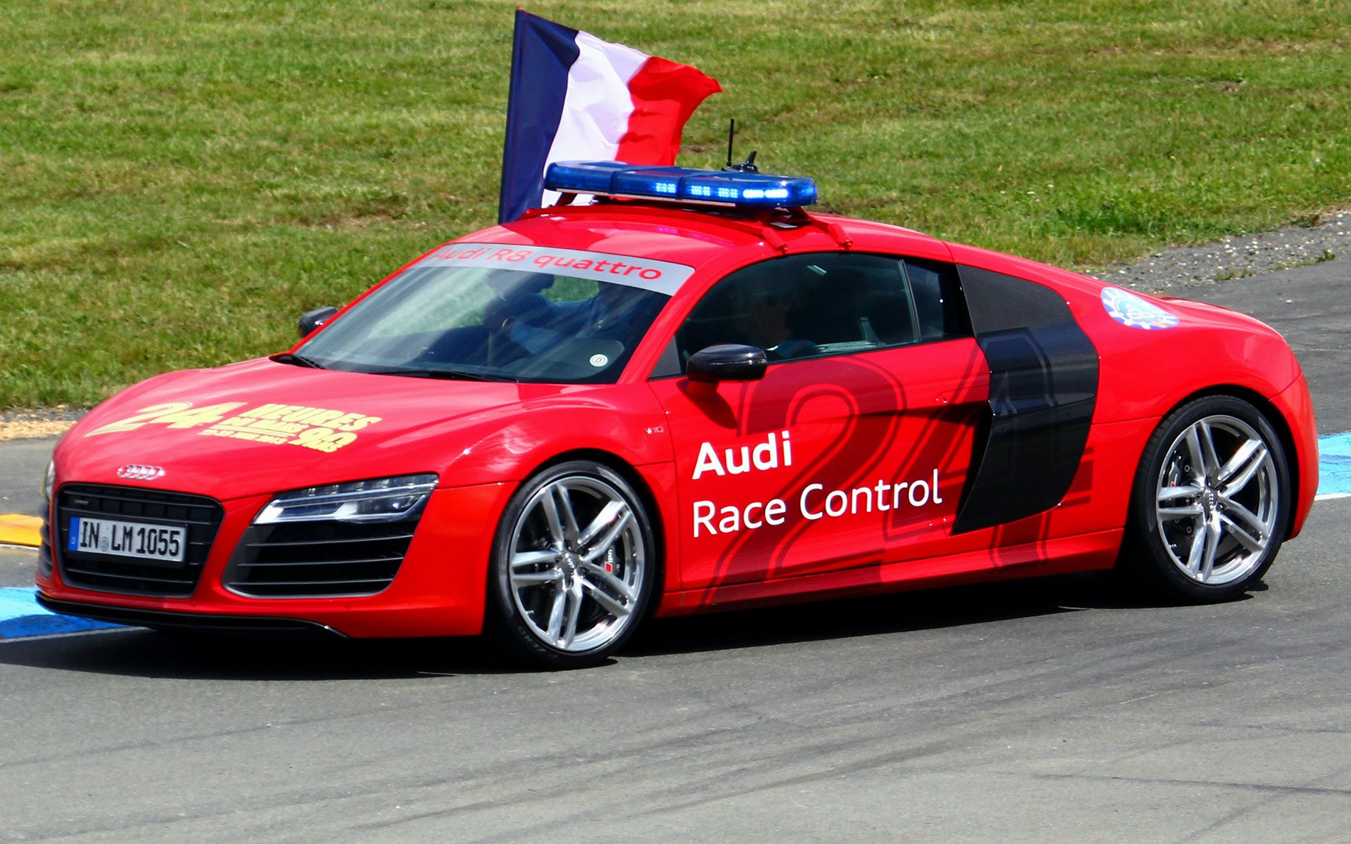 2013 Audi R8 V10 Coupe 24h Le Mans Safety Car   Wallpapers and HD 1920x1200