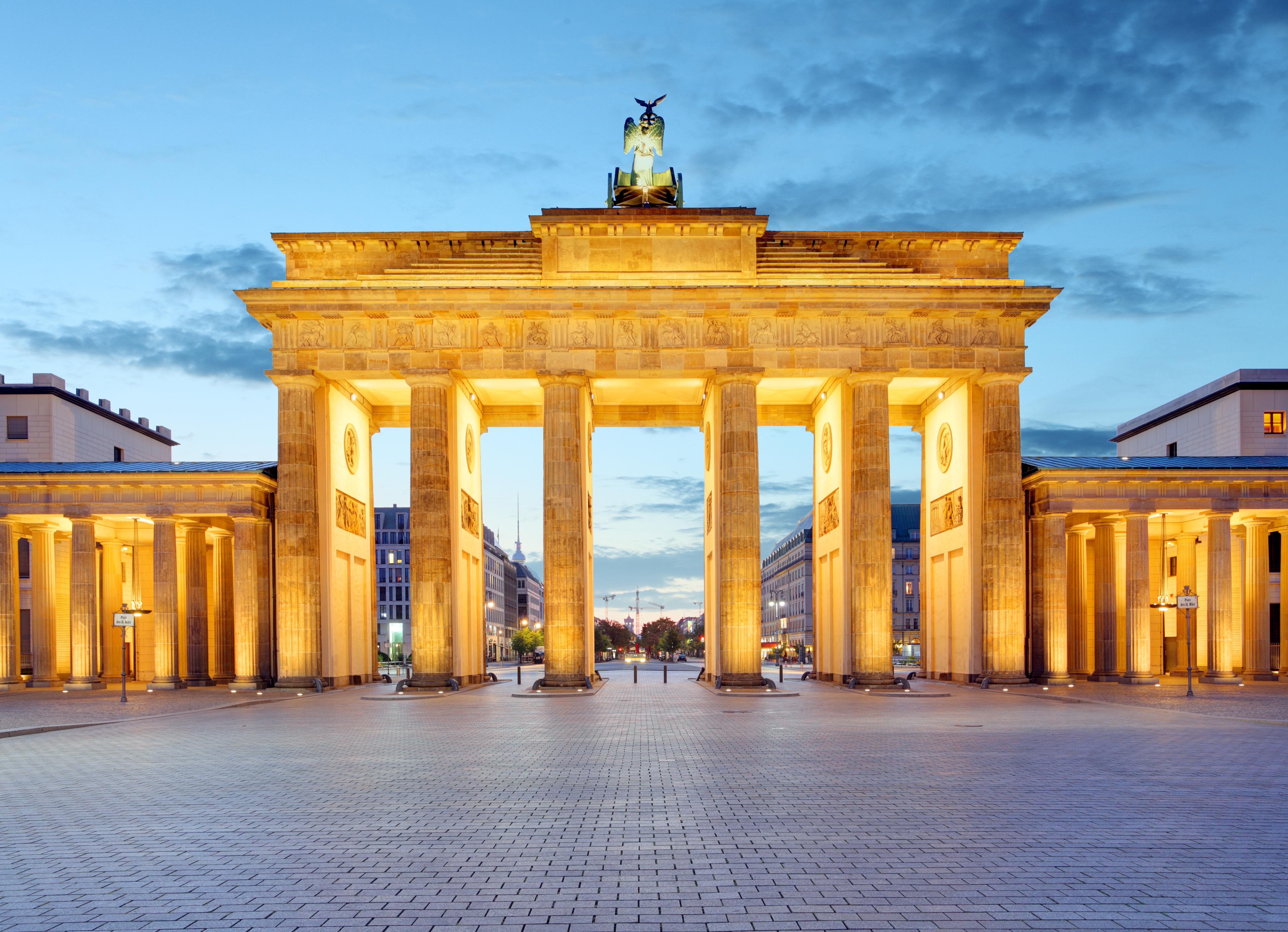 Brandenburg Gate Wallpaper 6   4984 X 3605 stmednet 4984x3605