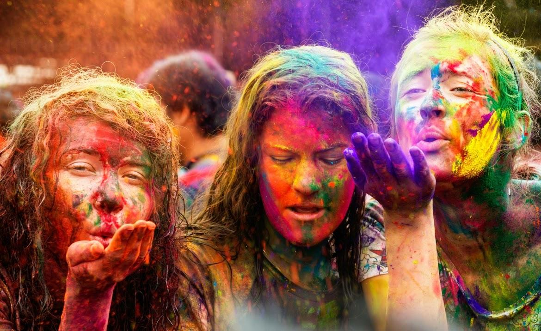 Happy Holi Festival Indian Girls Wallpaper 1170x717