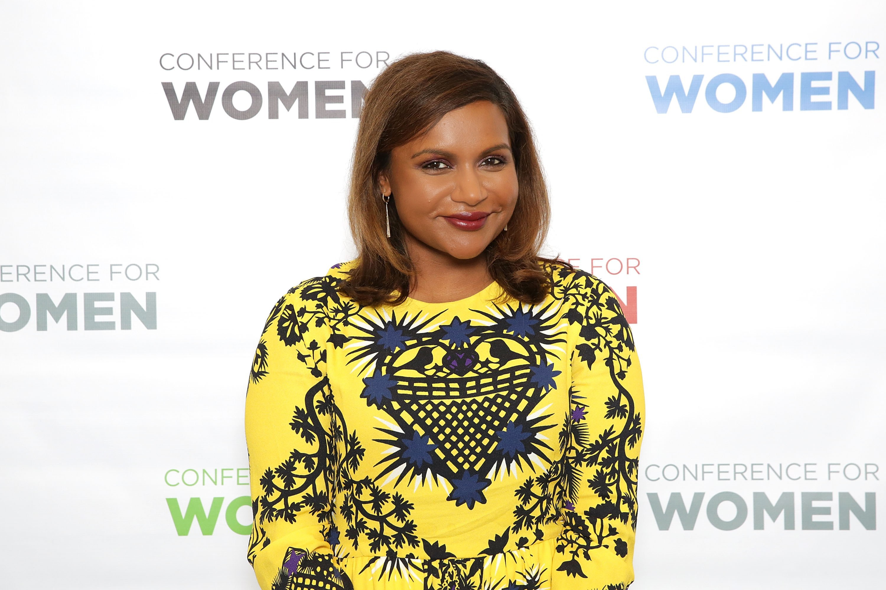 Mindy Kaling Wallpapers Images Photos Pictures Backgrounds 3000x2000