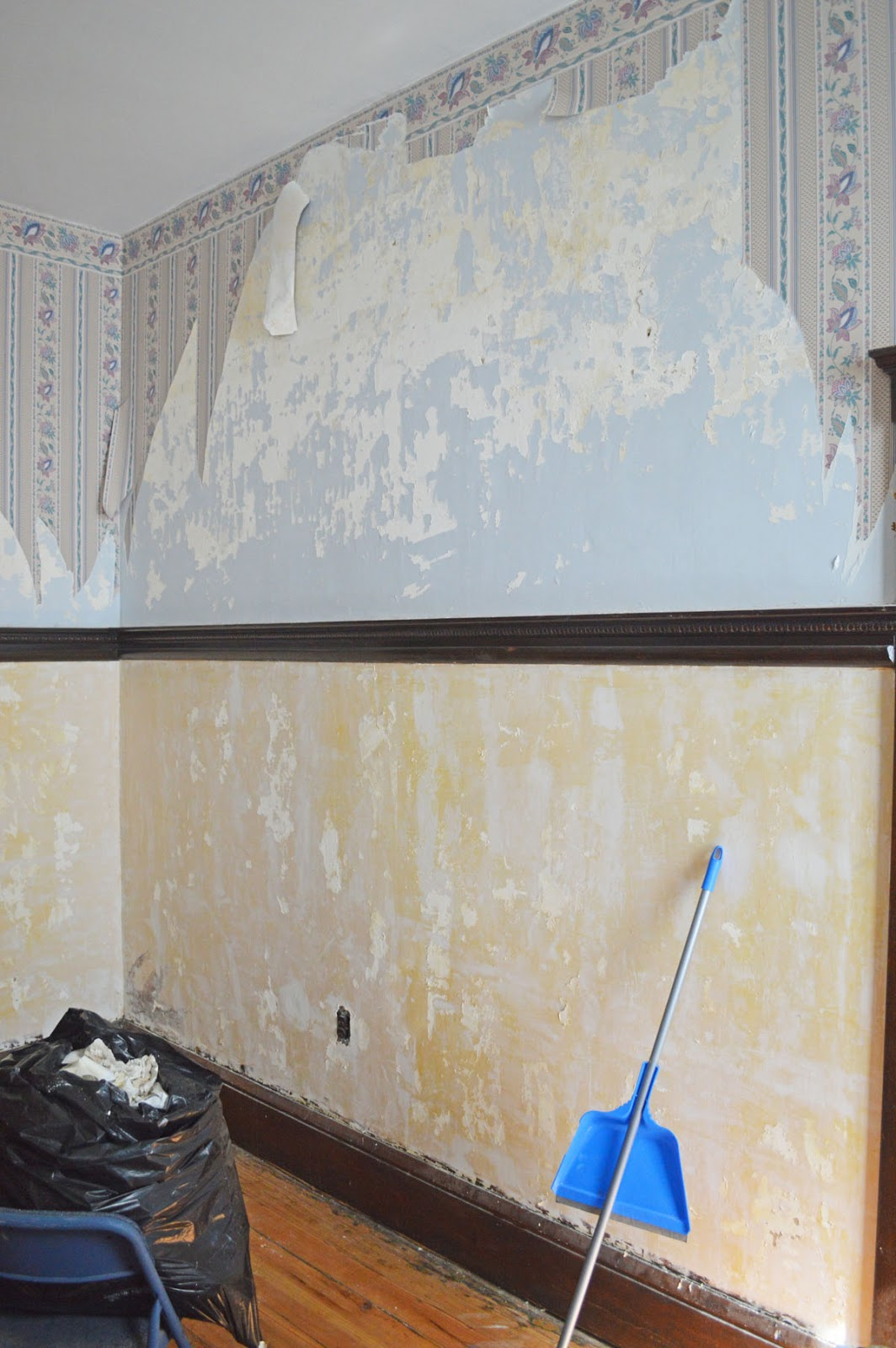 Wallpaper on Old Plaster Walls Wallpaper Steamer Peeling Paint and 1064x1600