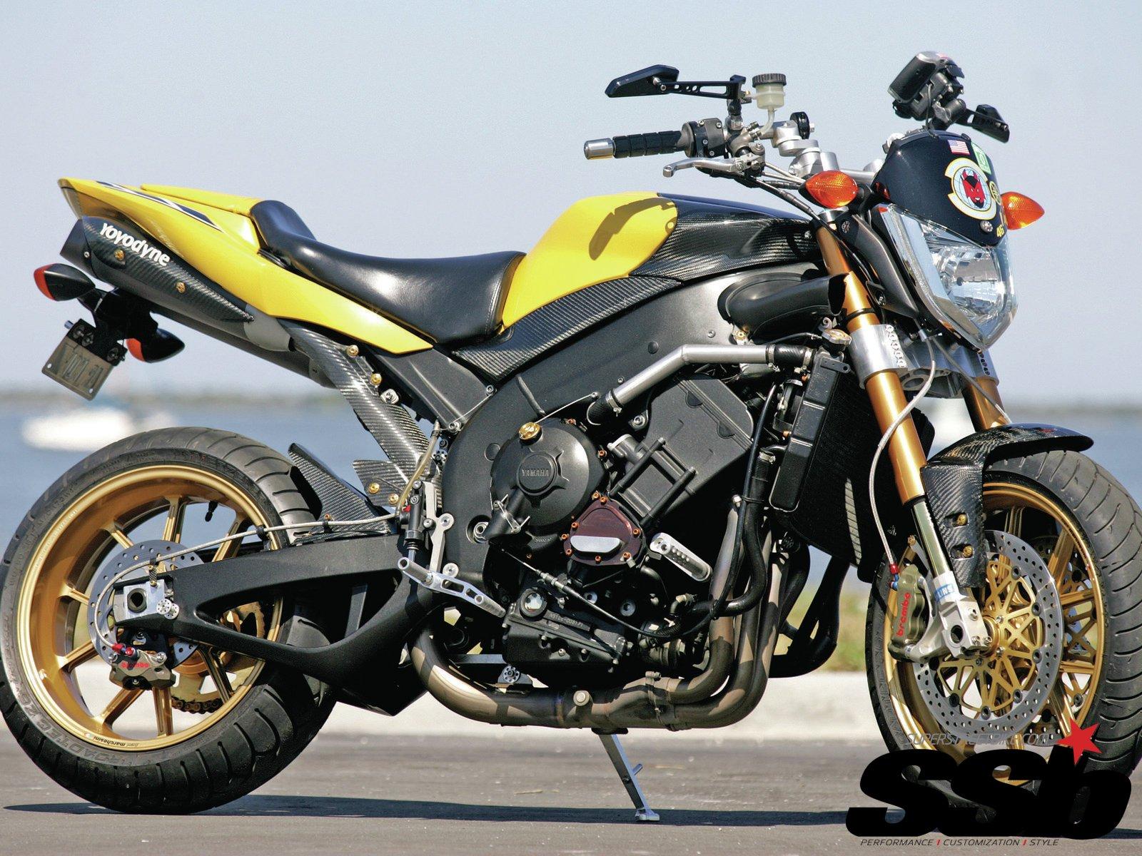 YAMAHA FZ1 motorbike motorcycle bike wallpaper 1600x1200 1600x1200
