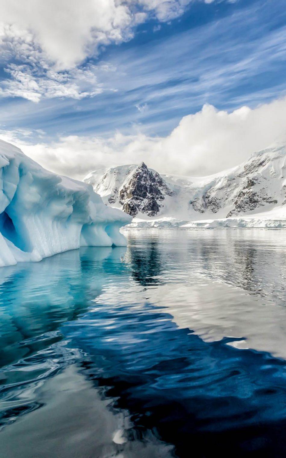 Antarctica Iceberg Ocean 4K Ultra HD Mobile Wallpaper 950x1520