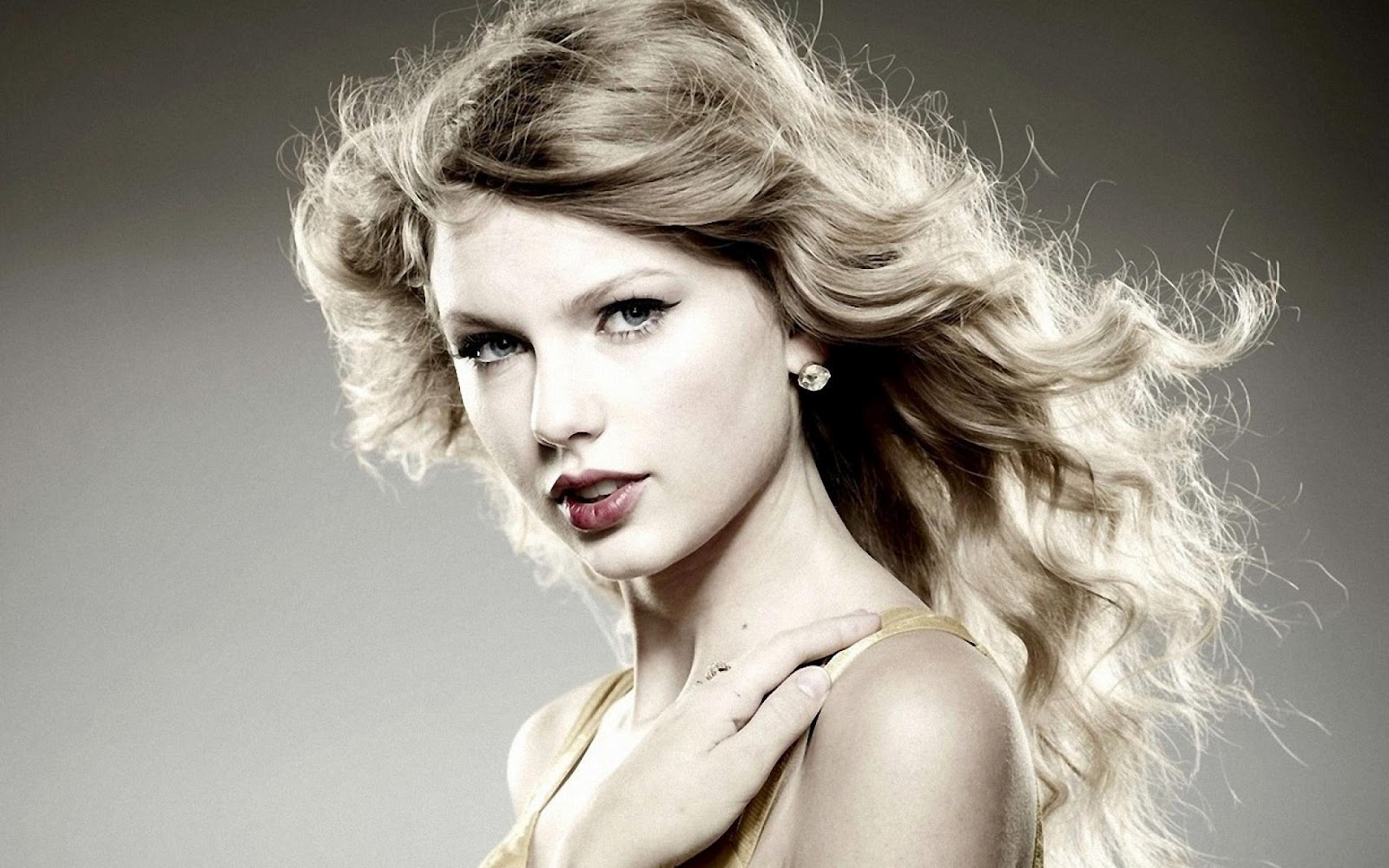 Taylor Swift hd Wallpapers 2012 All Hollywood Stars 1600x1000